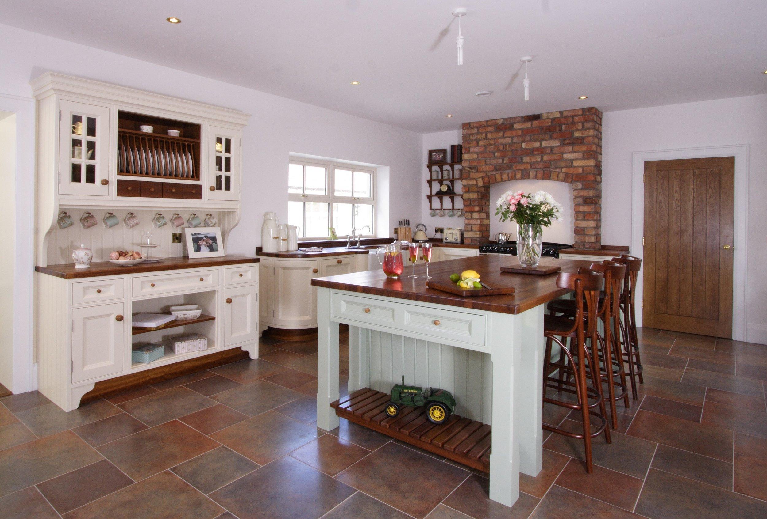 MT -001 -Hand painted kitchen.jpg