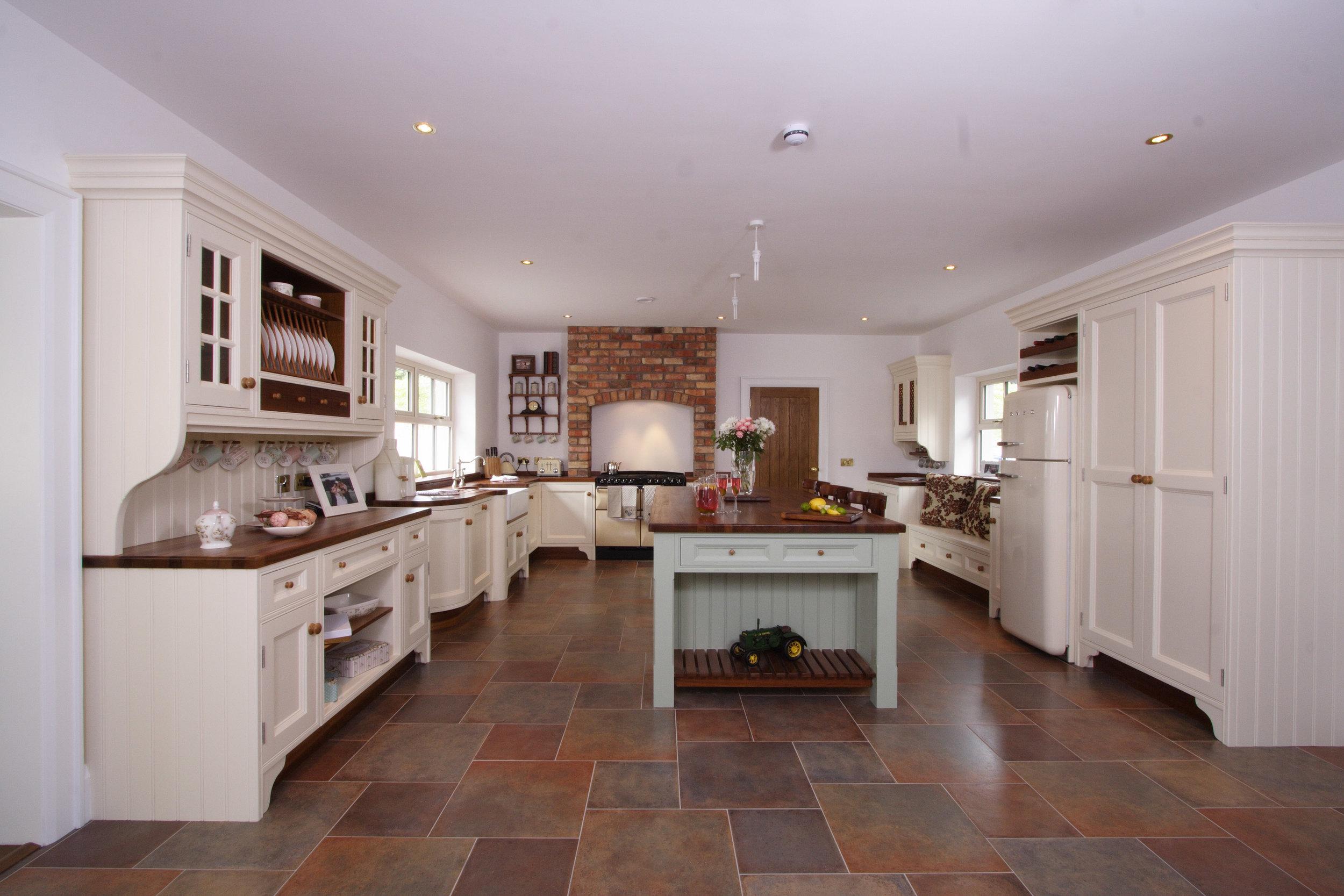 MT -003 -Hand painted kitchen.jpg