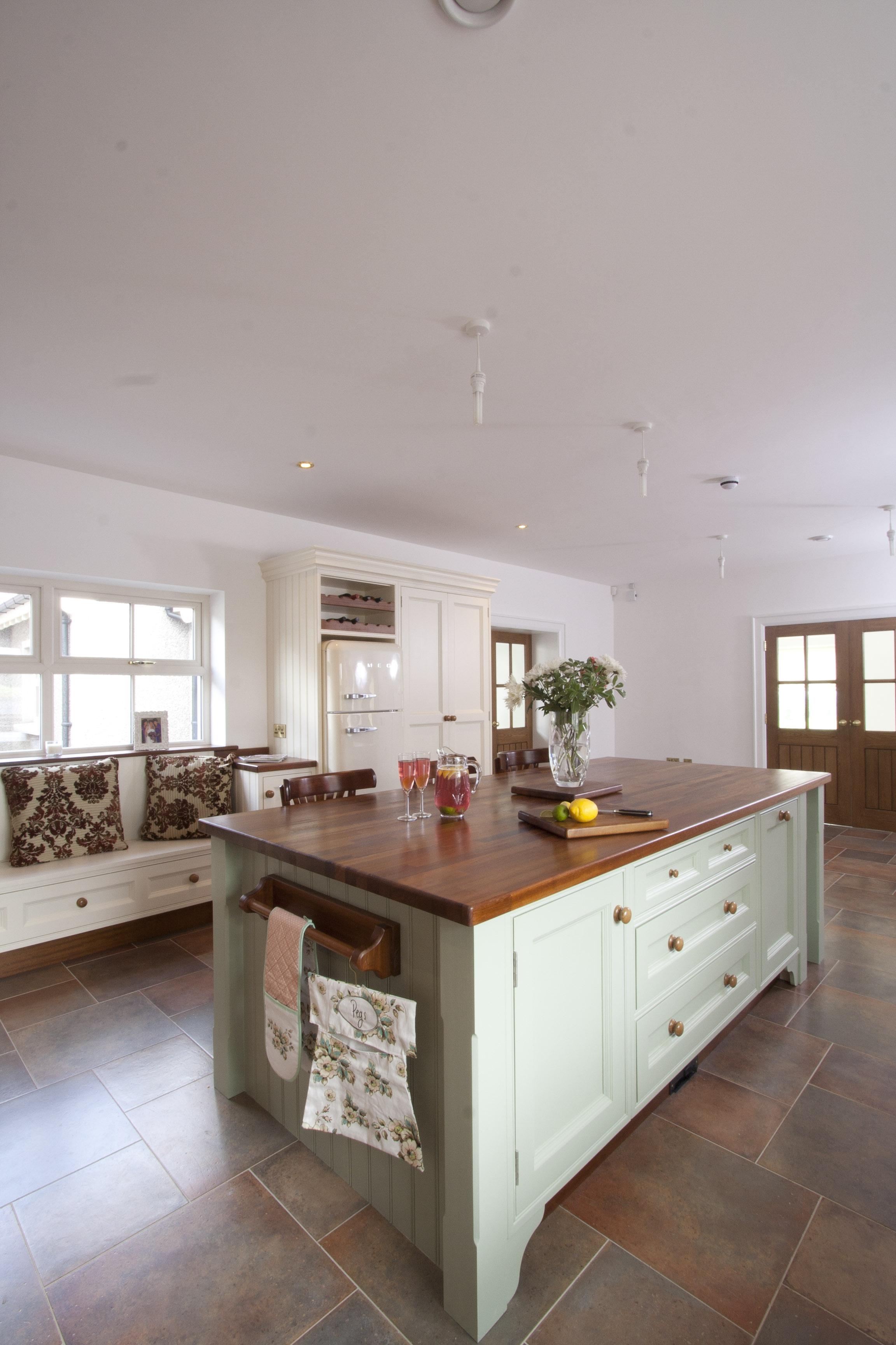 MT -011 -Hand painted kitchen.jpg