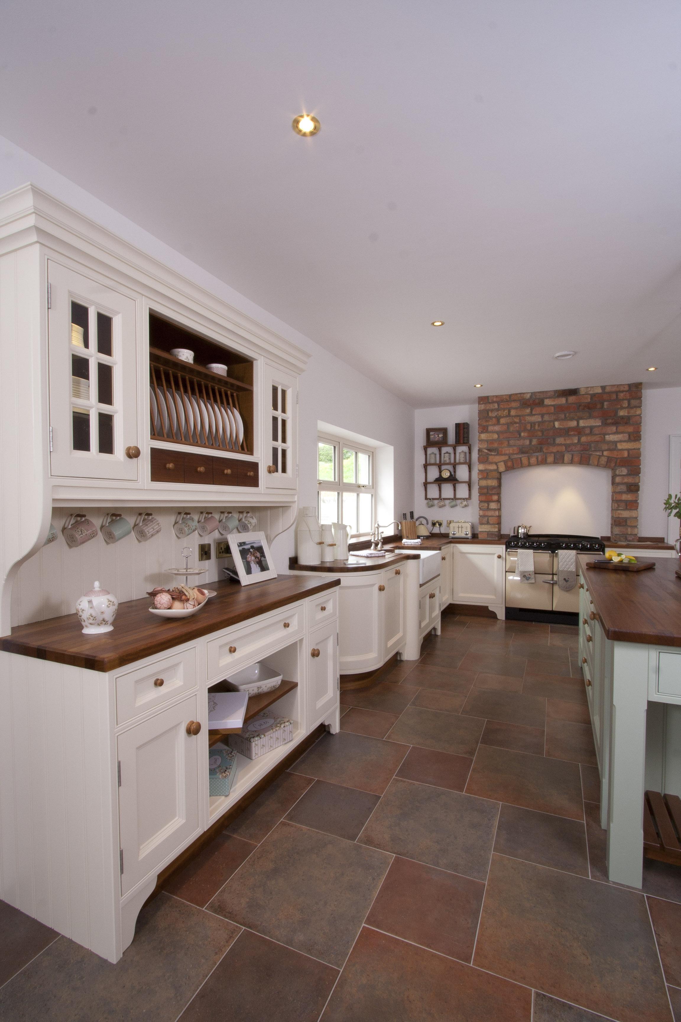 MT -013 -Hand painted kitchen.jpg