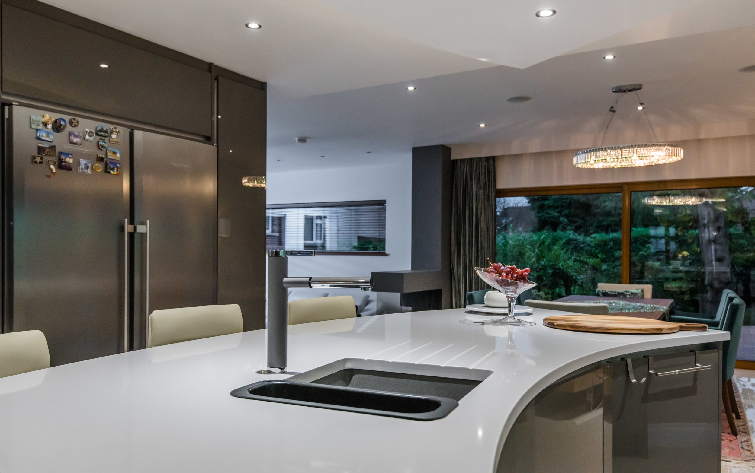LF -017 -Gloss kitchen.jpg