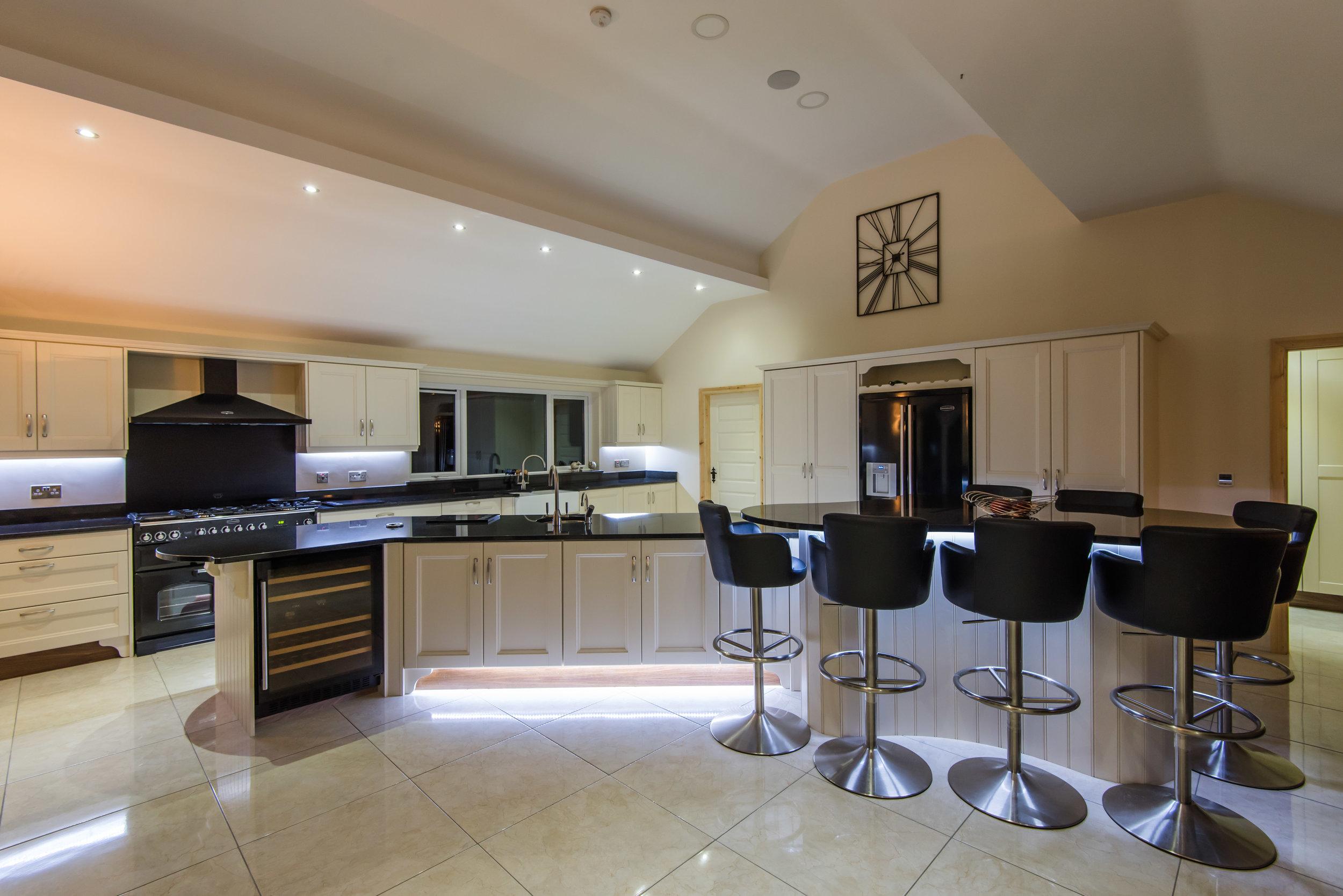HM -001 -Hand painted kitchen.jpg