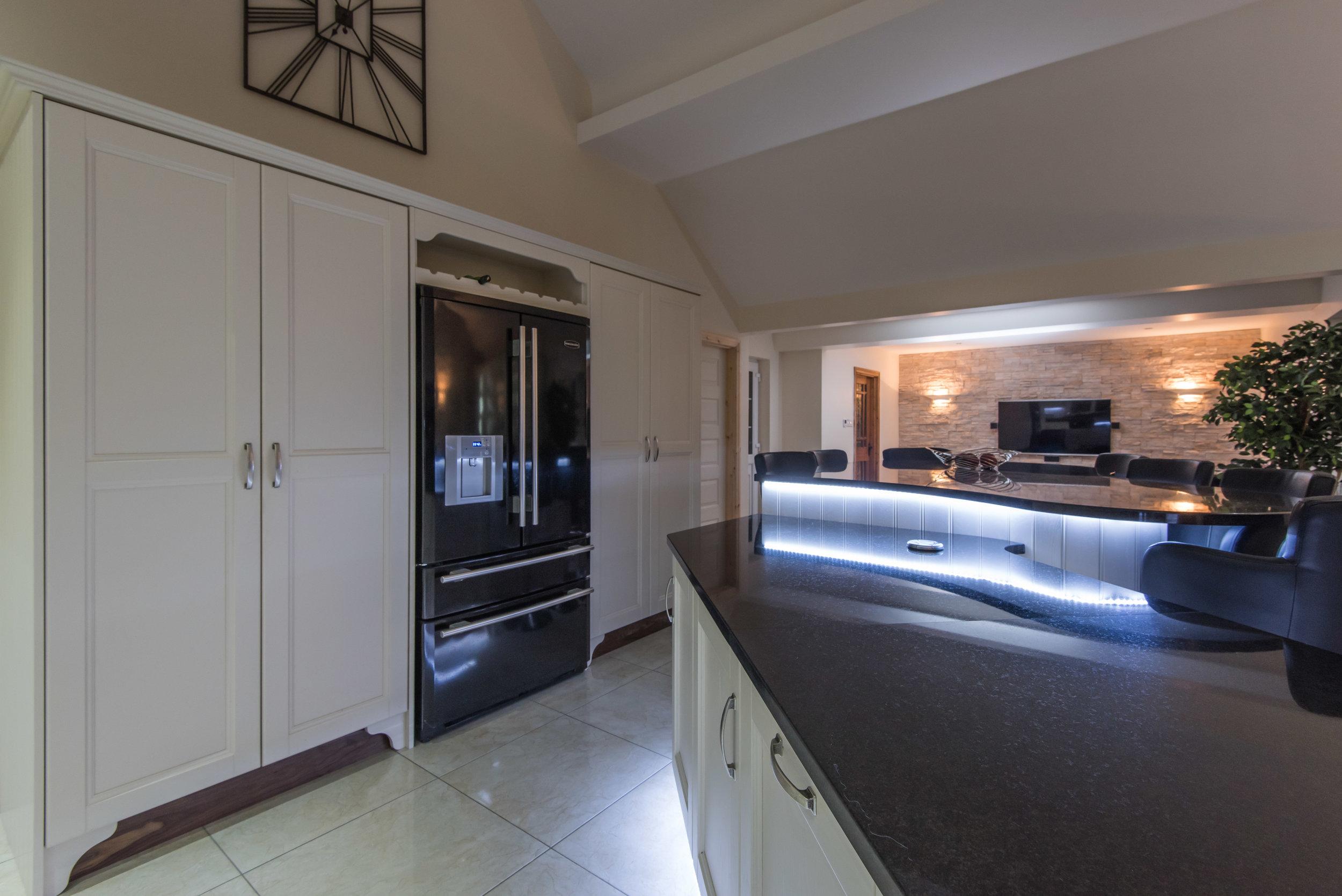 HM -011 -Hand painted kitchen.jpg
