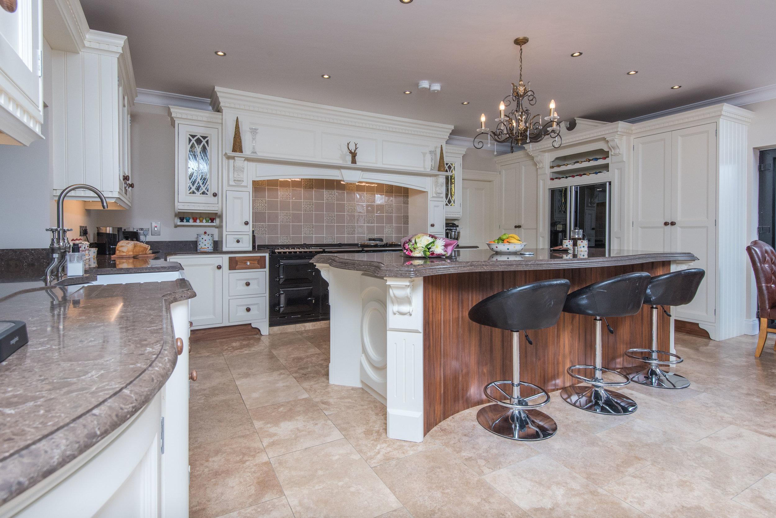 HB -004 -Hand painted kitchen.jpg