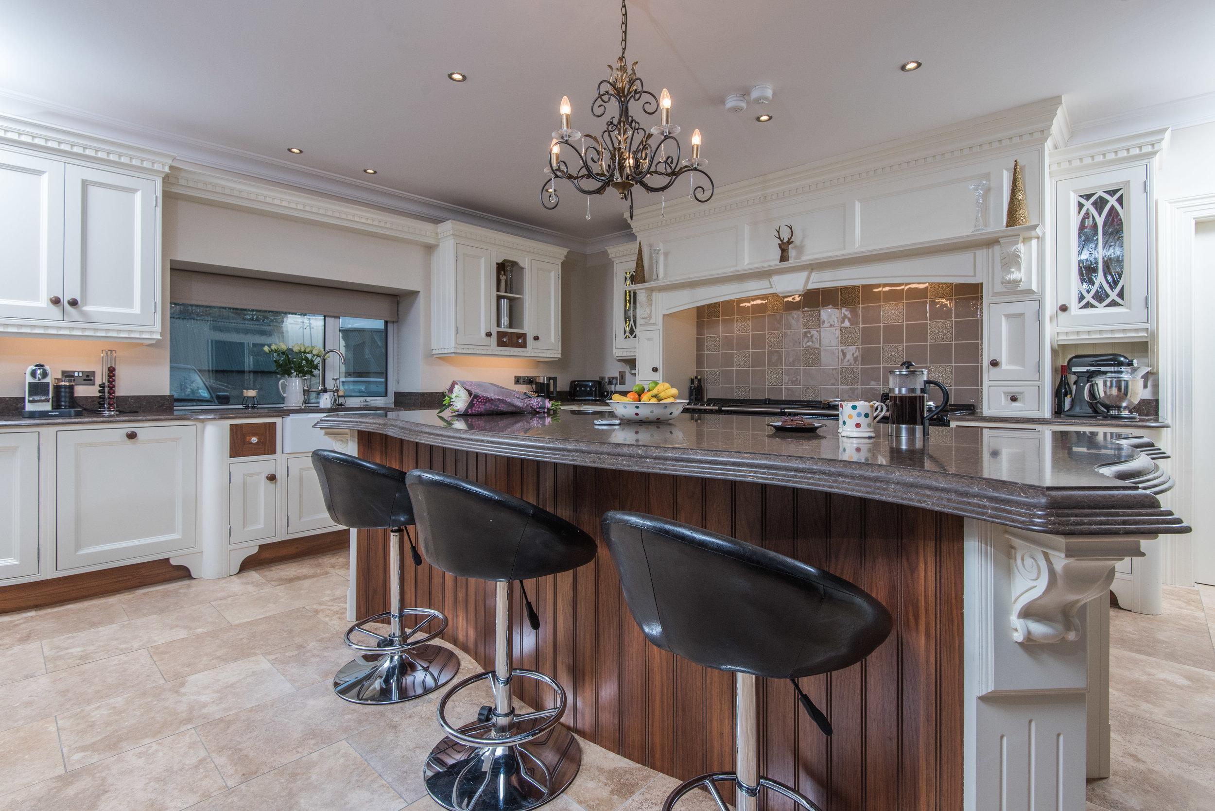 HB -007 -Hand painted kitchen.jpg