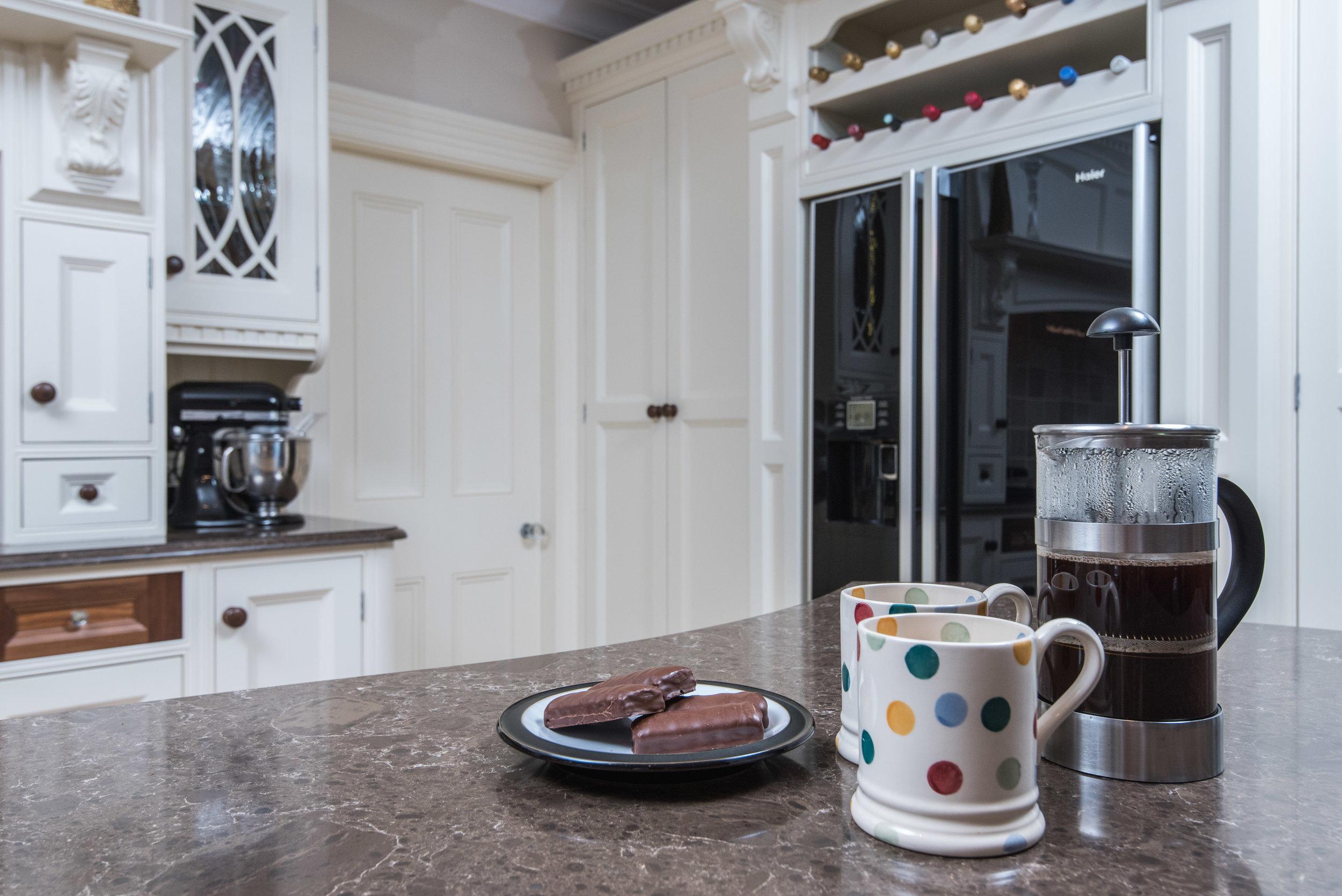 HB -016 -Hand painted kitchen.jpg