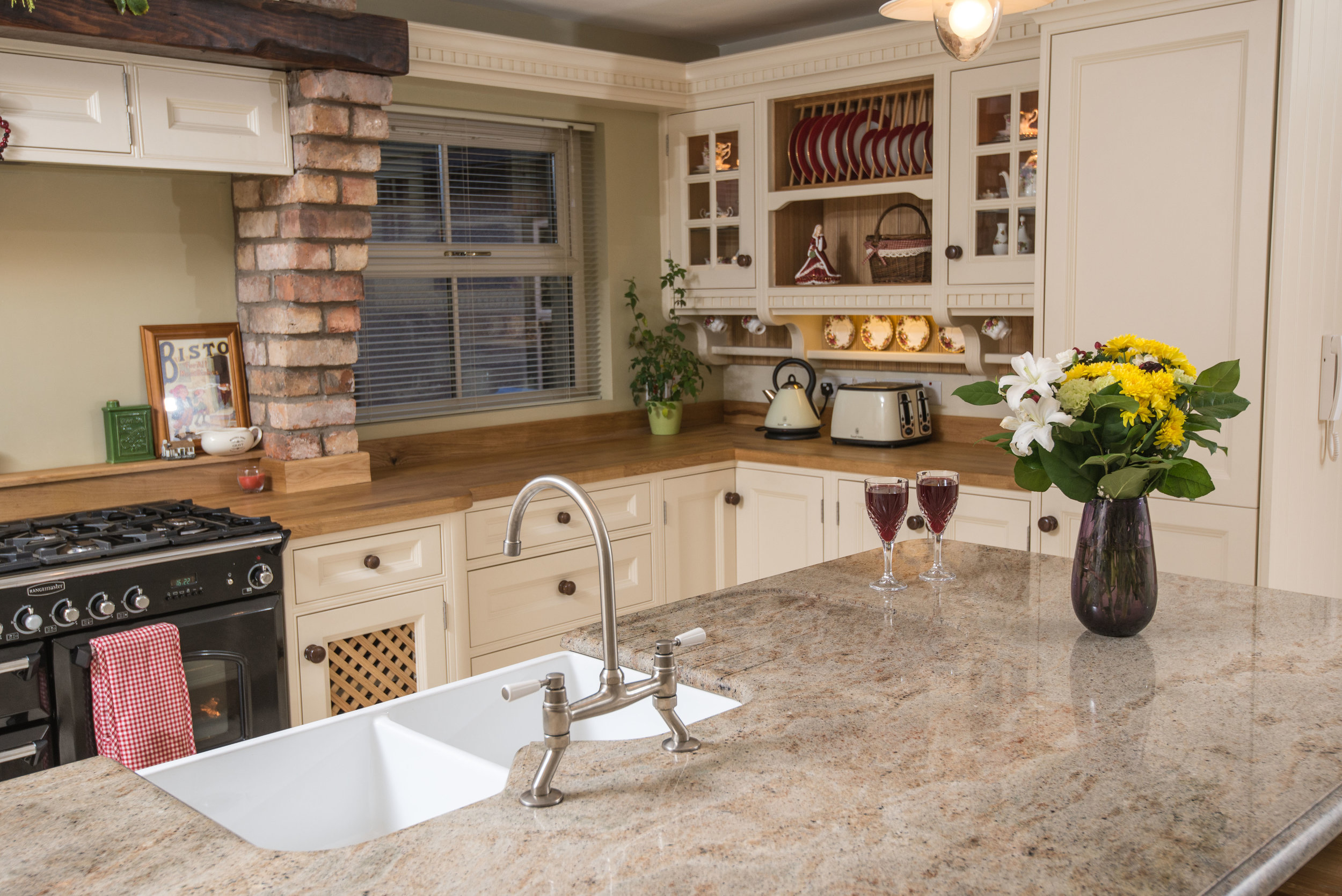 ELM -007 -Hand painted kitchen.JPG