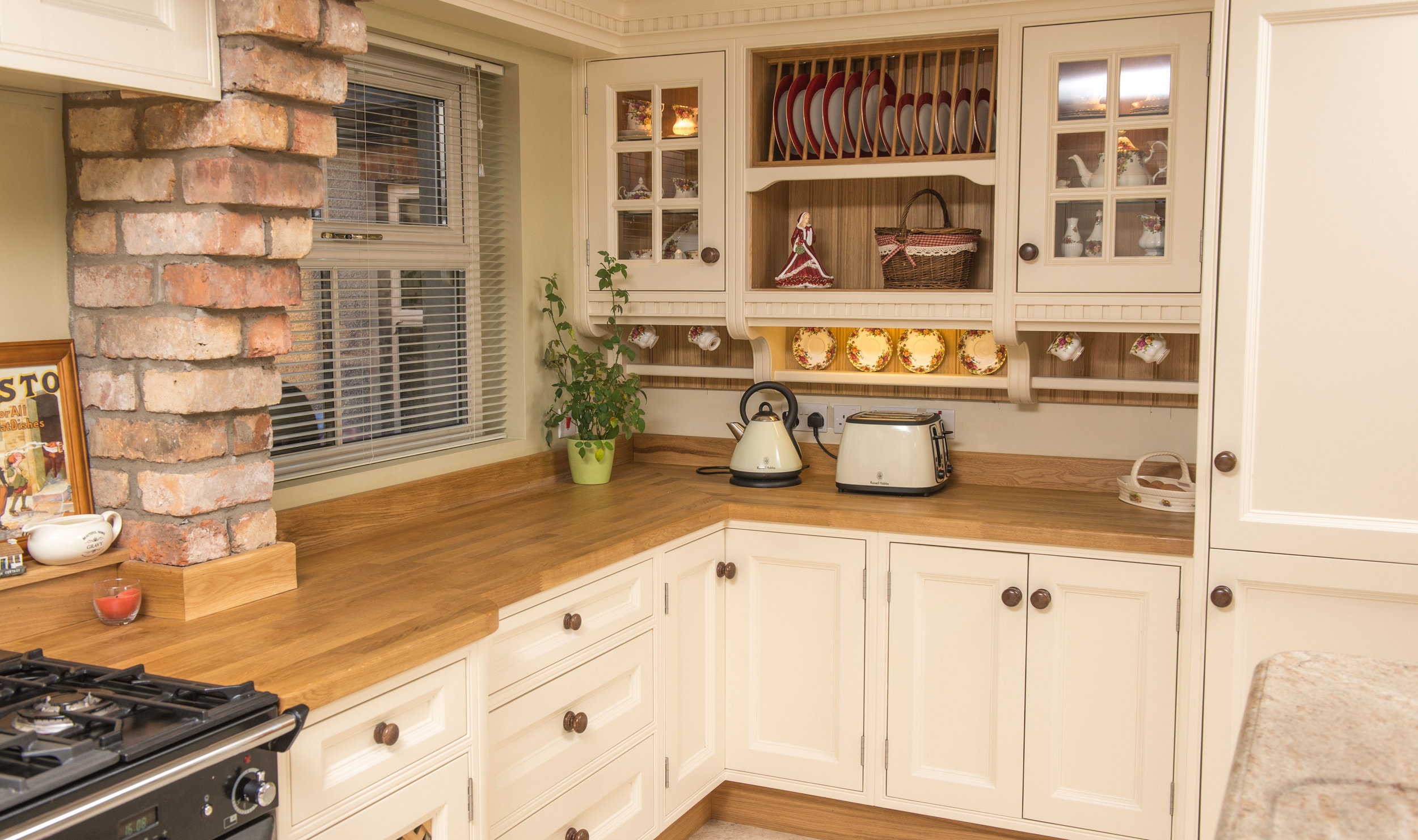 ELM -008 -Hand painted kitchen.JPG