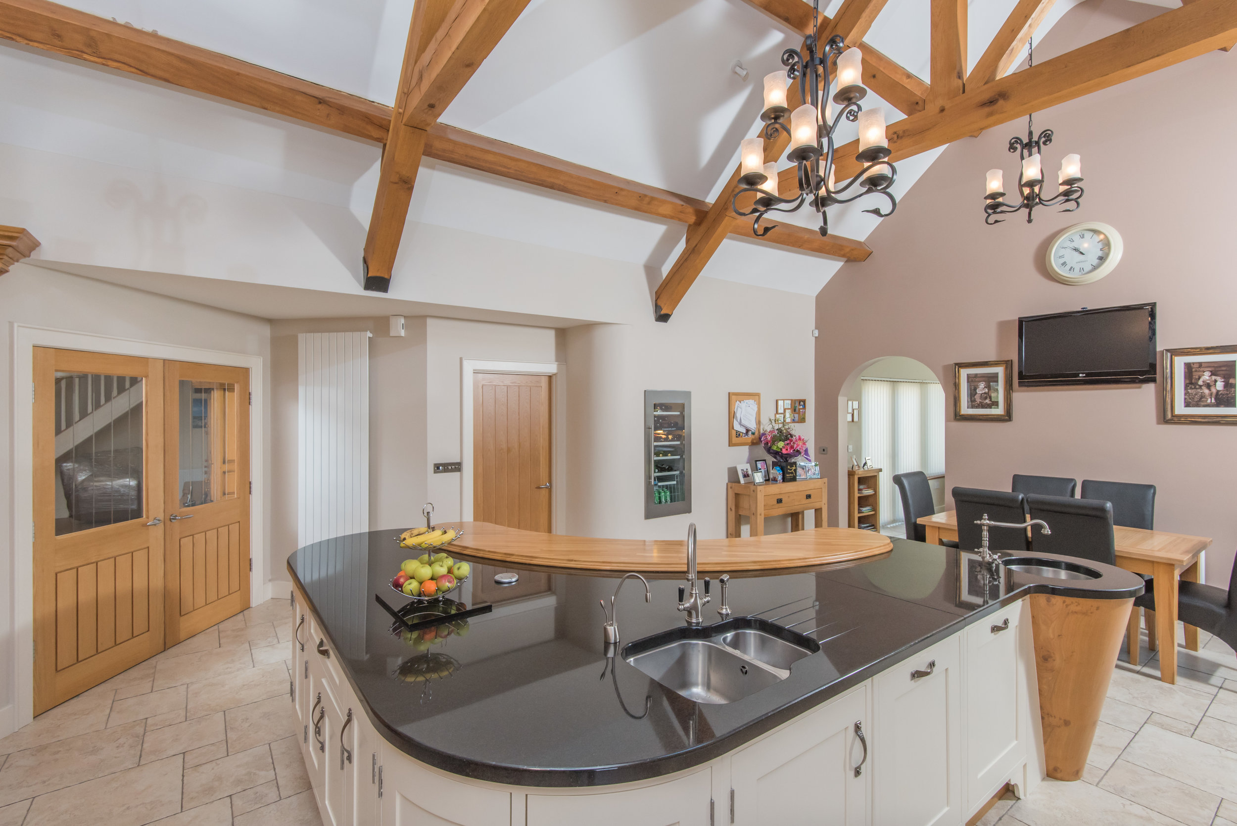 SM -012 -Pippy oak kitchen.jpg