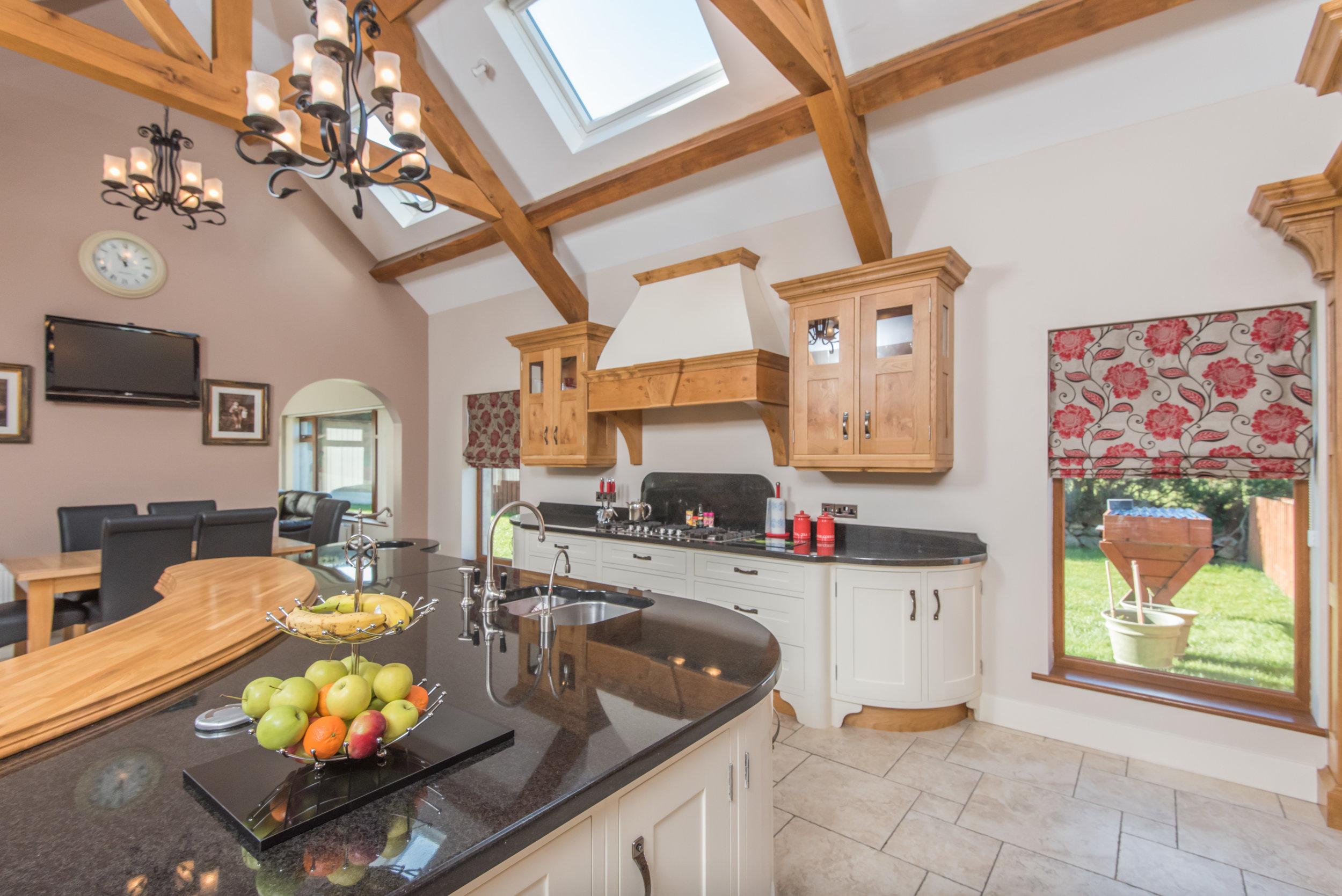 SM -018 -Pippy oak kitchen.jpg