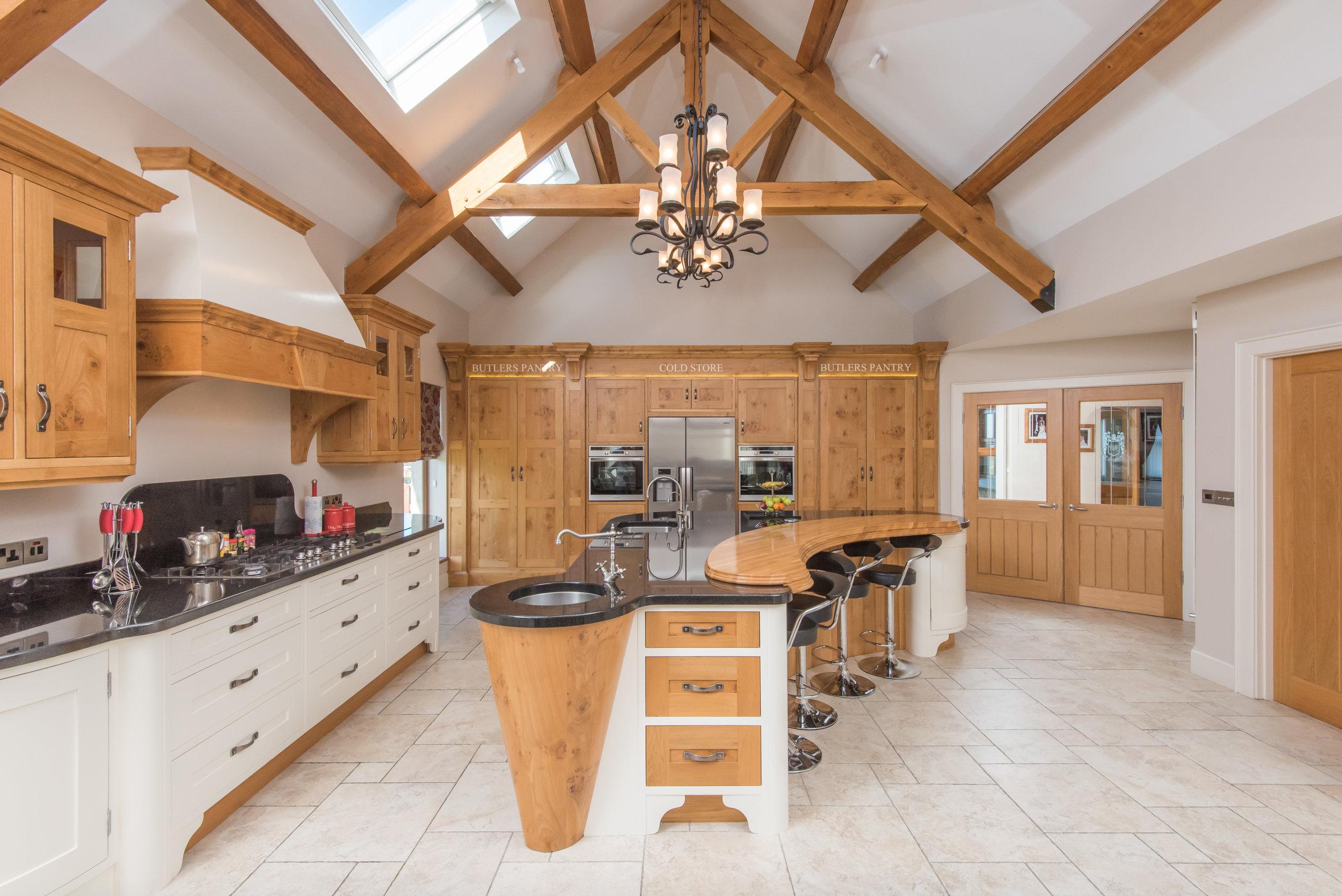SM -020 -Pippy oak kitchen.jpg