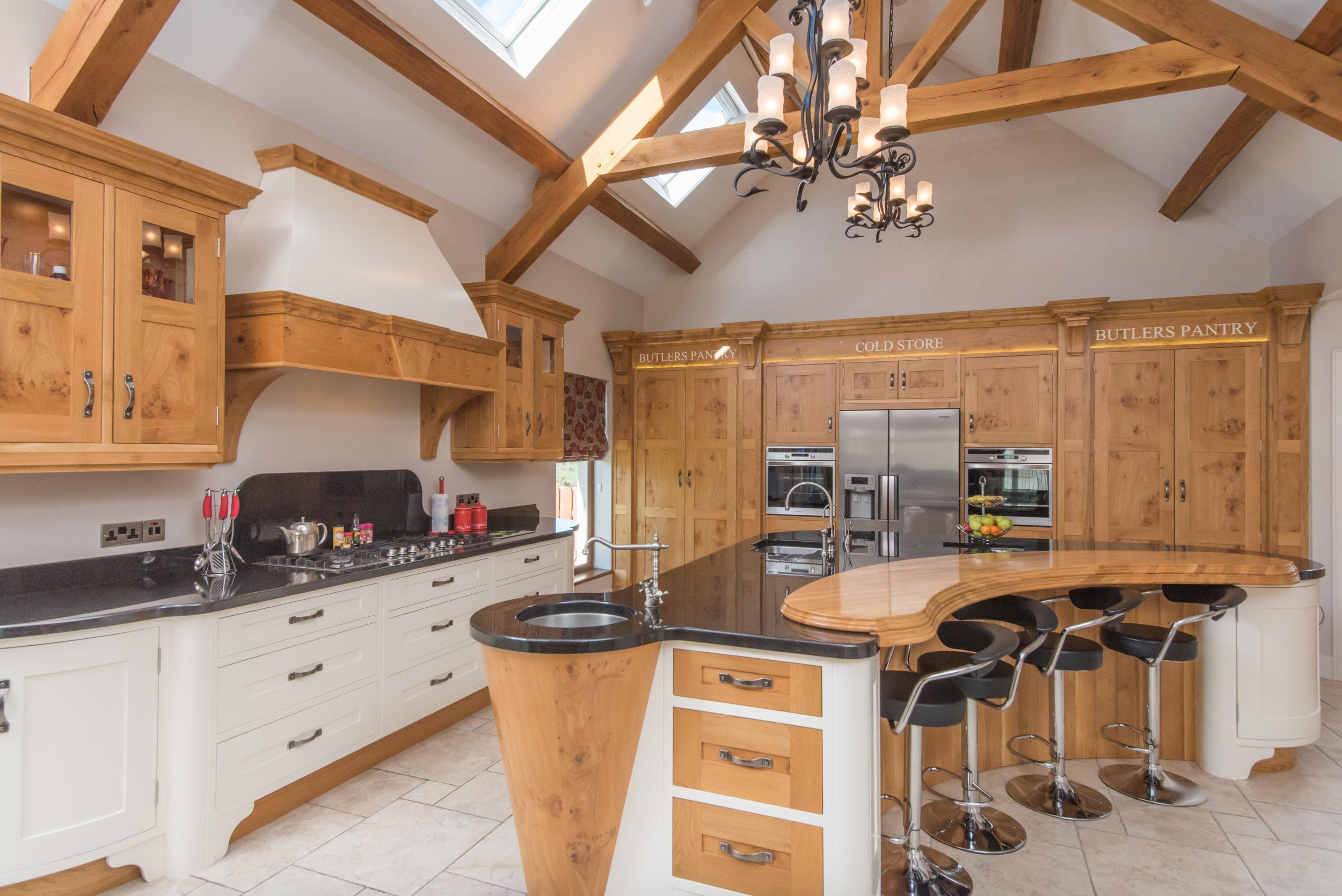 SM -021 -Pippy oak kitchen.jpg