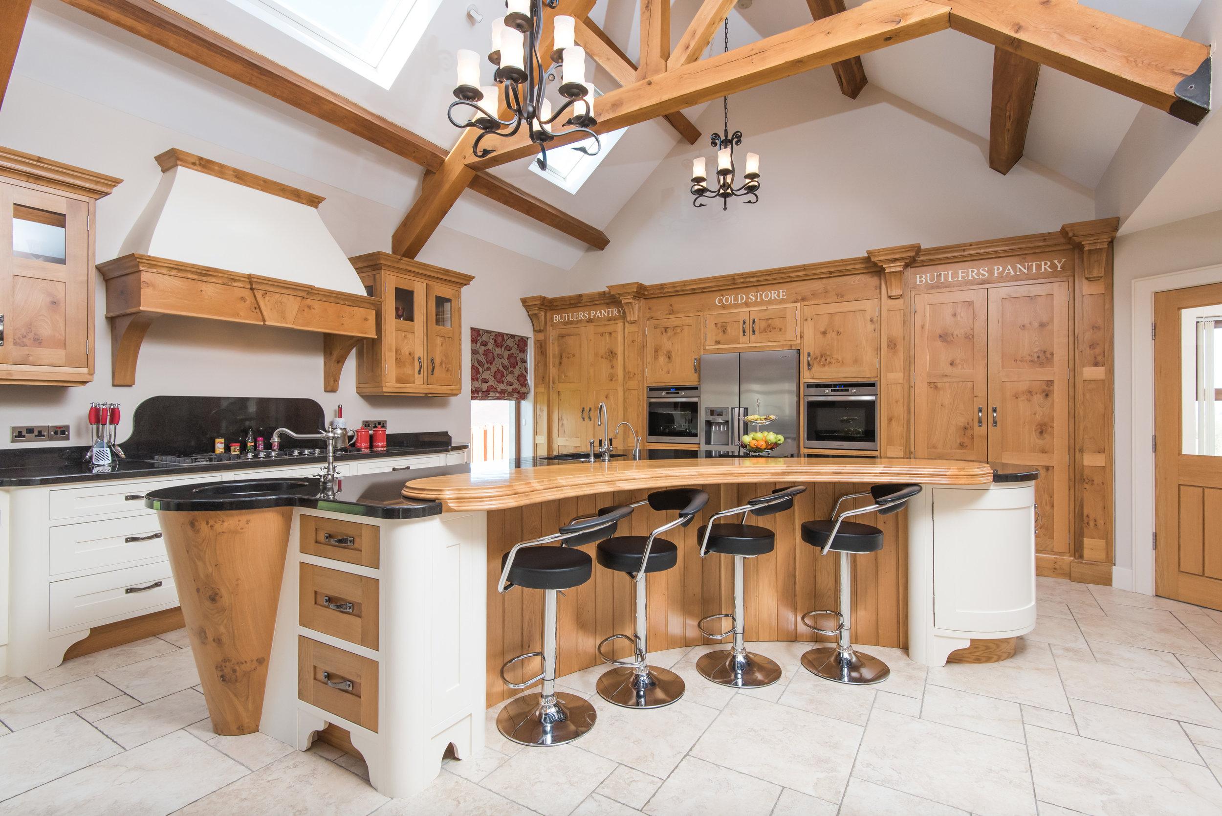 SM -001 -Pippy oak kitchen.jpg