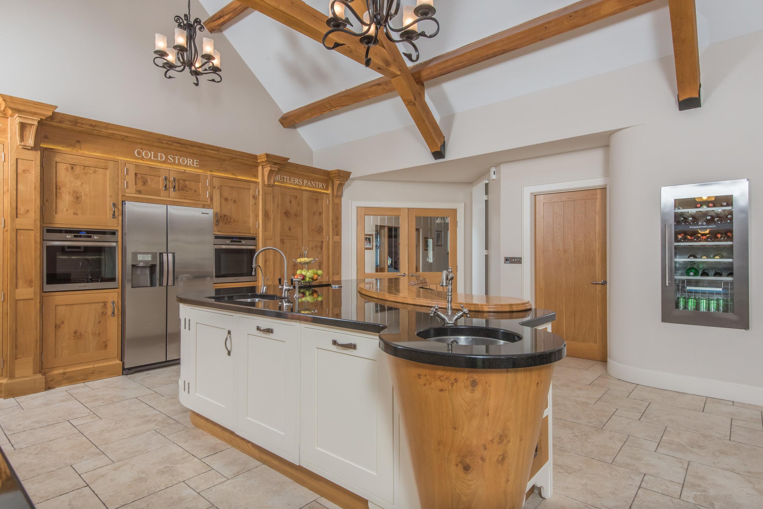 SM -003 -Pippy oak kitchen.jpg