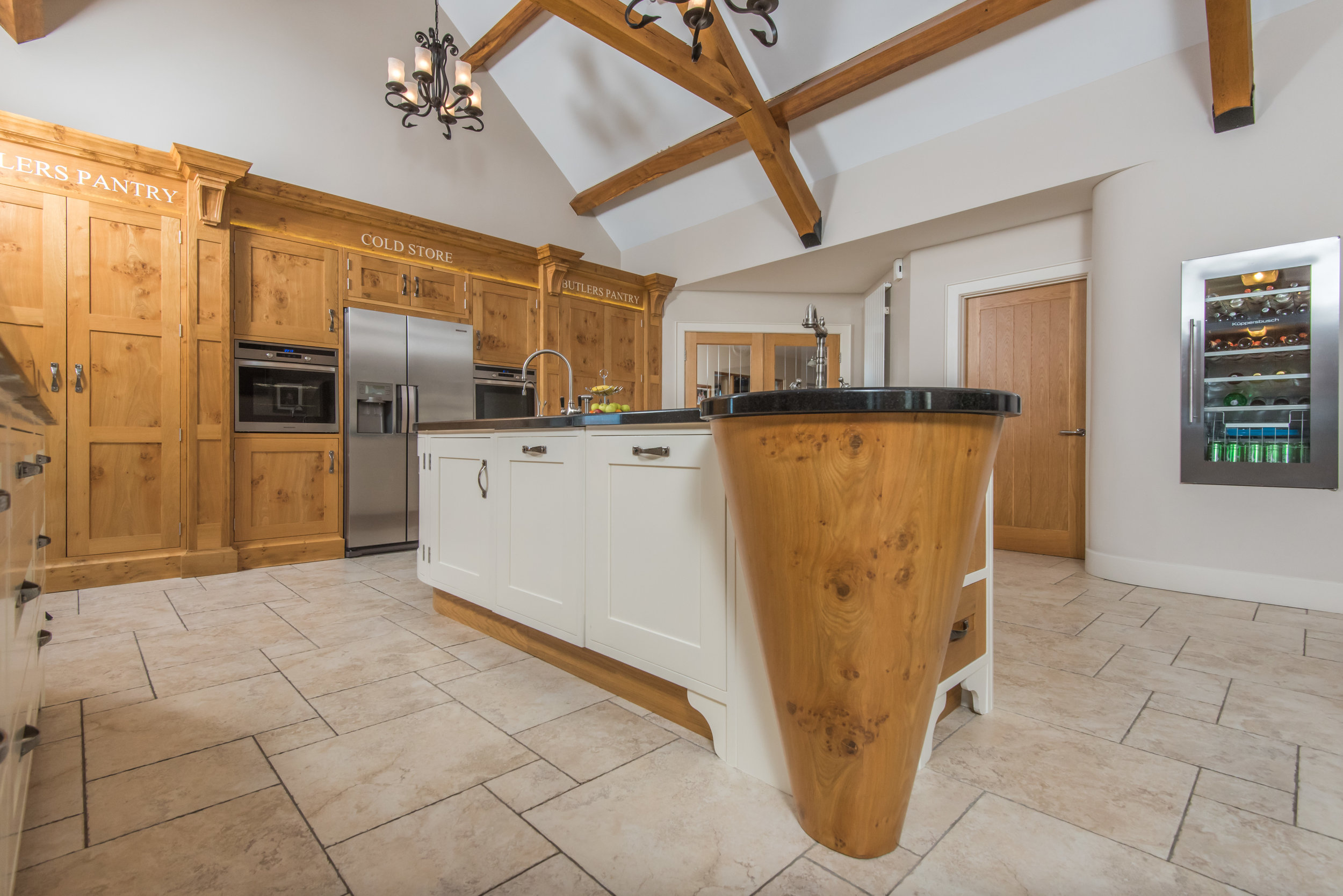 SM -014 -Pippy oak kitchen.jpg