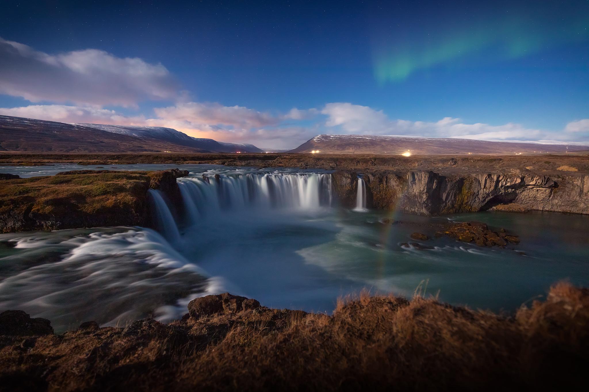Goðafoss Aurora Moonbow