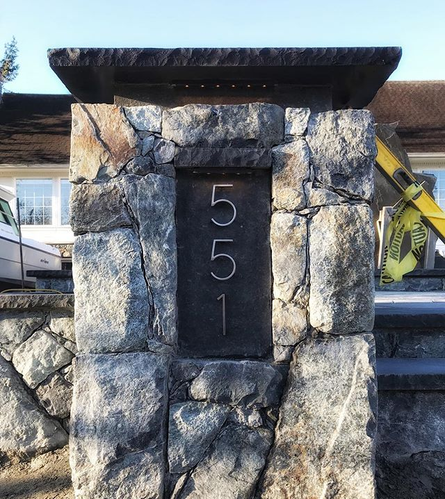 Some really cool details coming together on this project!  Follow my business partners accounts @rocksandstonesmasonry.joel and @rocksandstonesmasonry.ben too!! ⚒ ⚒⚒ #rocksandstones #Saanich #Victoria  #yyj #VancouverIsland  #rocksandstones natural #Stone #frontentryway #steps #lighting #outdoorlighting #staircase #stonework #garden #gardening #masonry #hardscape #landscapedesign #photography #photo #construction #craftsmanship #Men #Stonemason #design #contractorsofinsta Where #Stone creates #Art.
