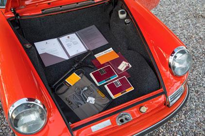 x-AZ16_r105---1968-Porsche-911-S-Targa-(45).jpg