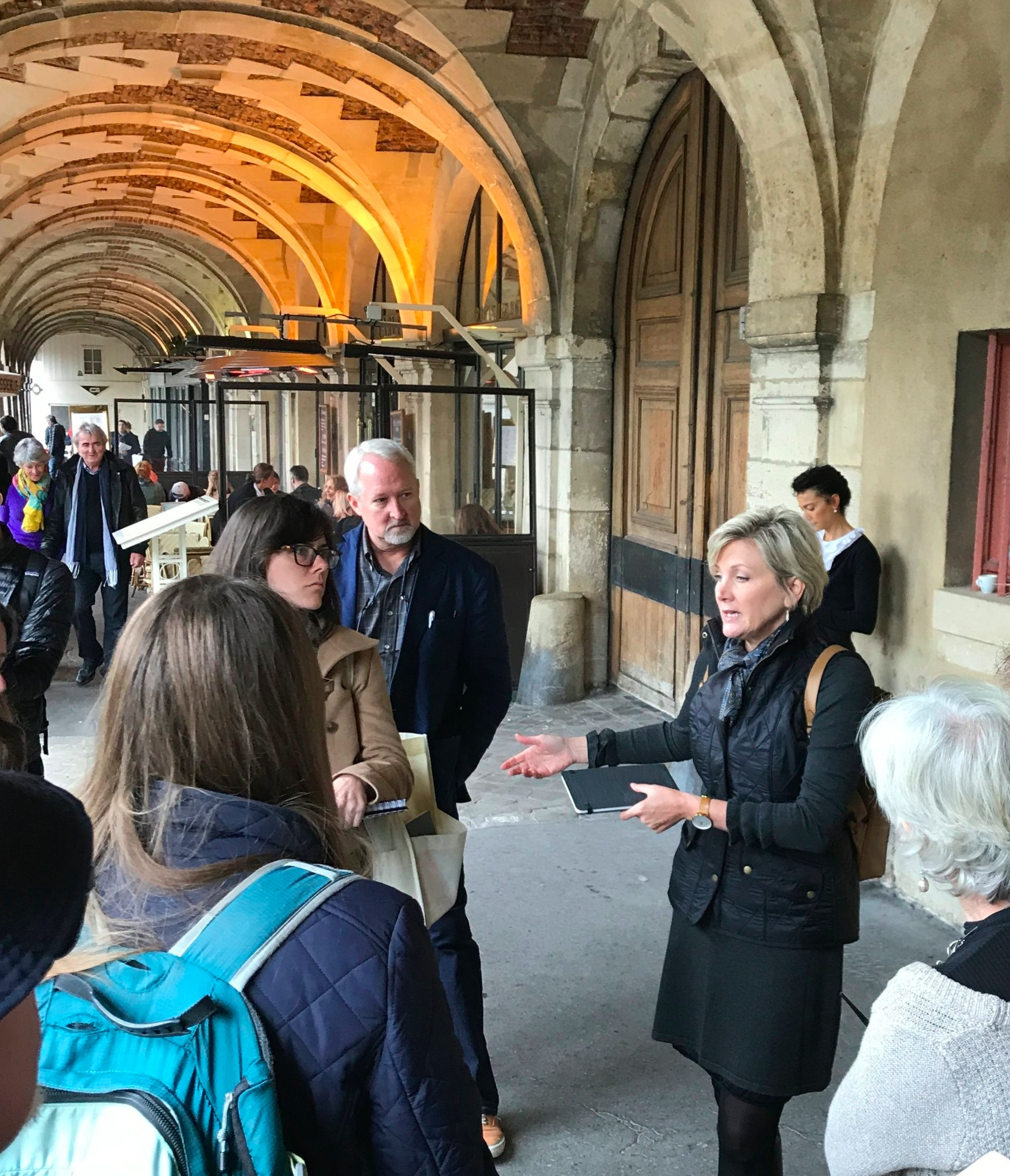 - Conducting a lecture at the Places des Vosges, Paris as part of the Christopher H. Brown drawing tour with the Institute of Classical Architecture & ArtClick here for more information….