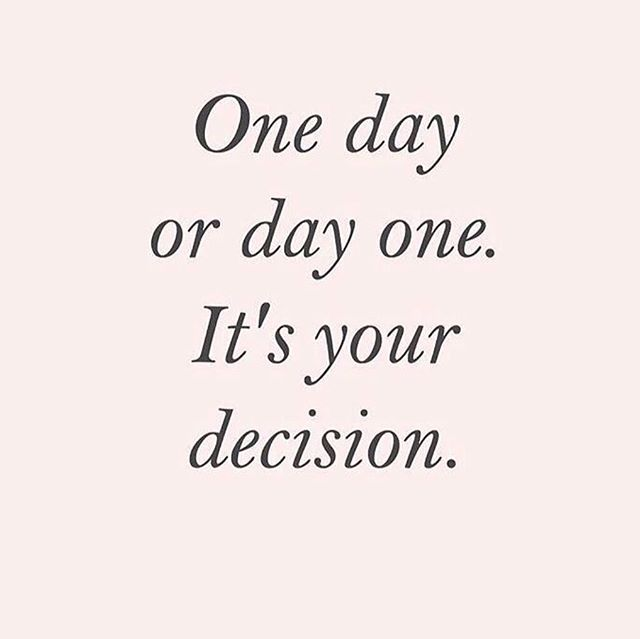 Happy Monday!!! ✨ Hope you make the right decision today!! 👊🏻 📷 @sosheslays • • • • • • #monday #vegan #vegana healthcoaches #liveinspired #mindbodysoul #holistliving #healthyhappylife #wellnessjourney #nourishyourself #greensmoothies #quoteoftheday #healthcoachlive #healthyhabbits #livehealthy #healthyandhappy #youarewhatyoueat #nourishyourbody #foodmatters #mondaymotivation #healthybodyhealthymind #holistichealth #eatinghealthy #eatclean #cleaneating #iin #iinhealthcoach