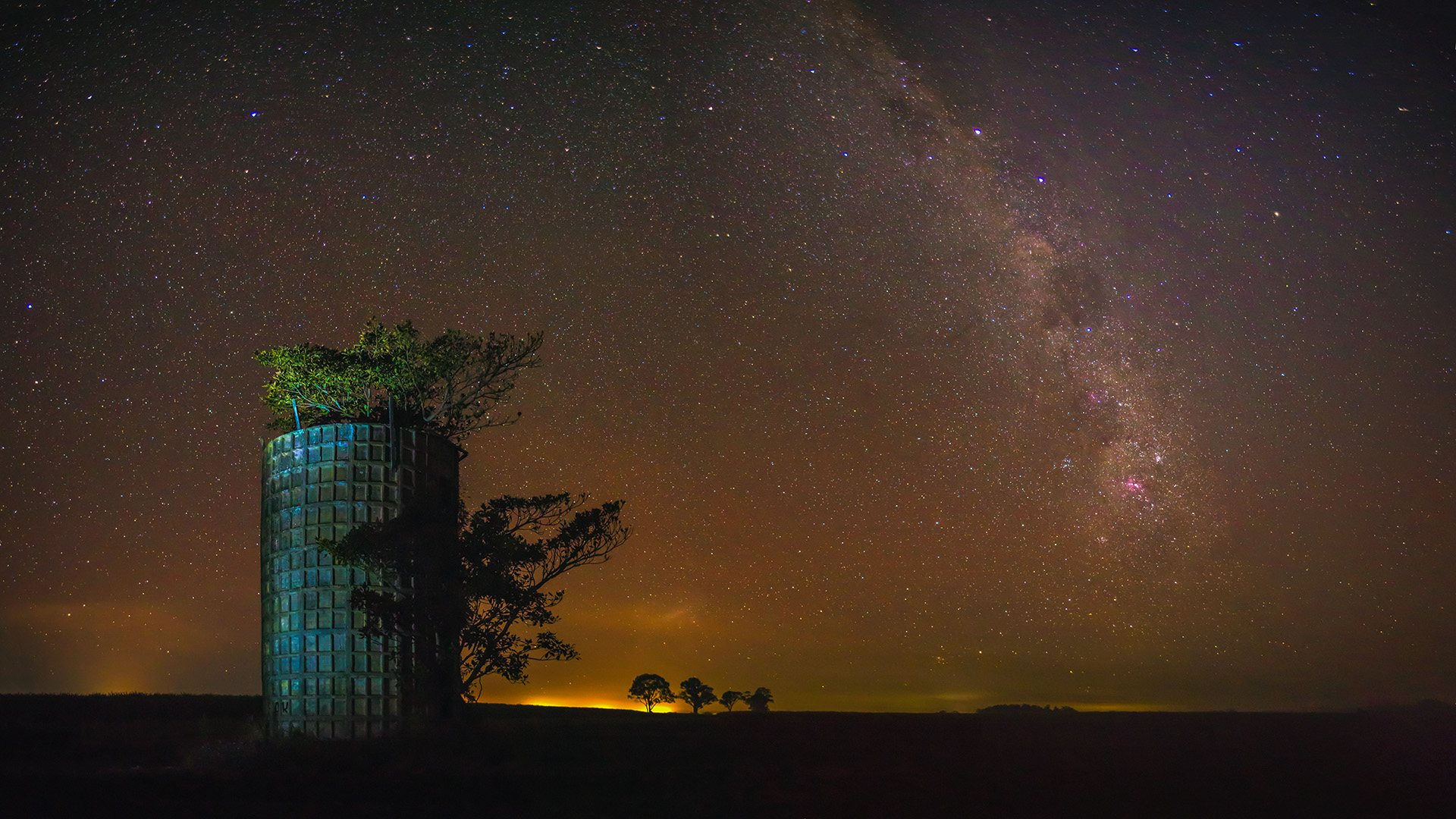 Pictorial_At Night at the old Water Tower_Ben Stoffl_Agr