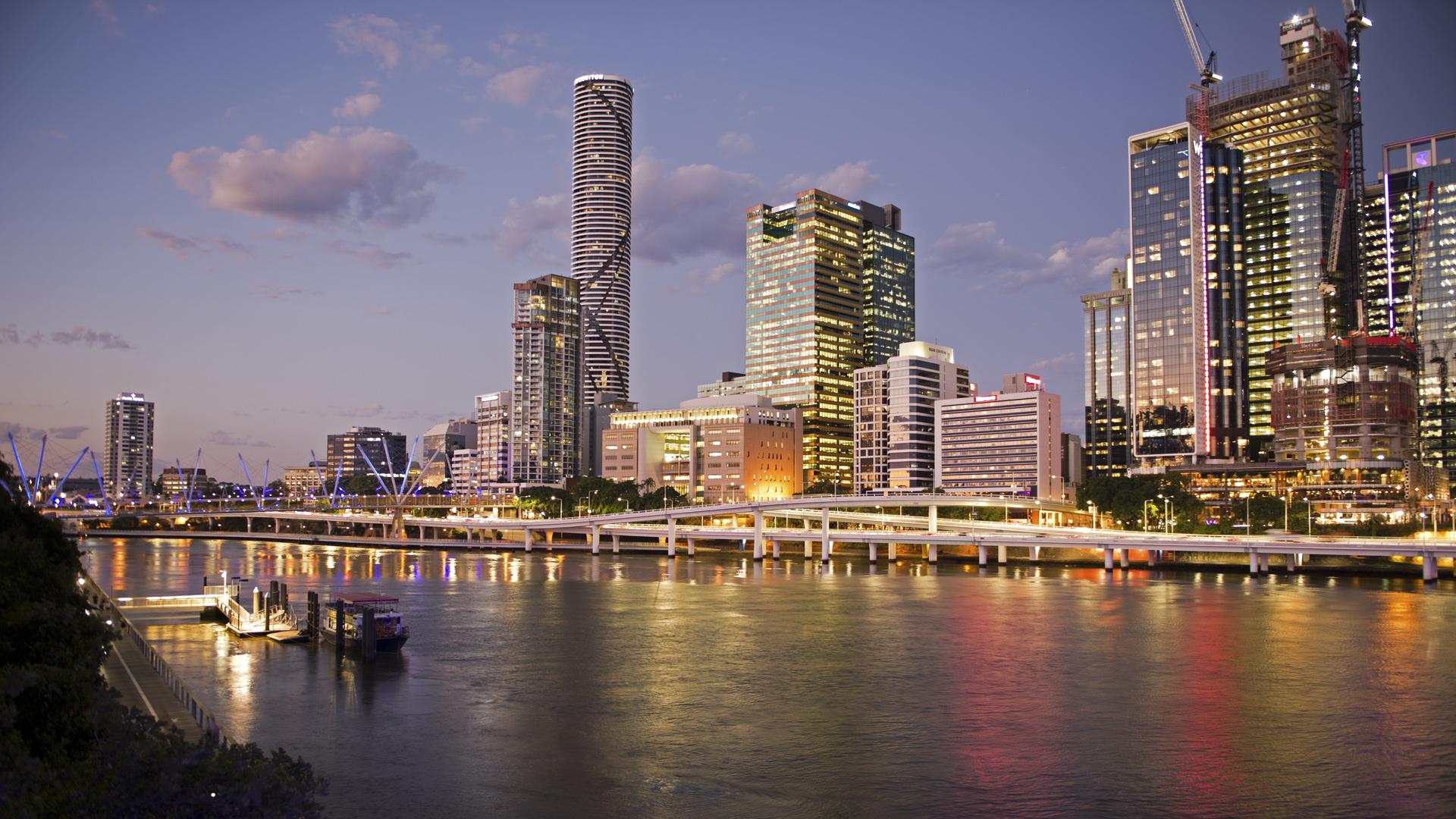 My Brisbane_Night Lights in the City_Lynda Pickstone_ABgr_Merit