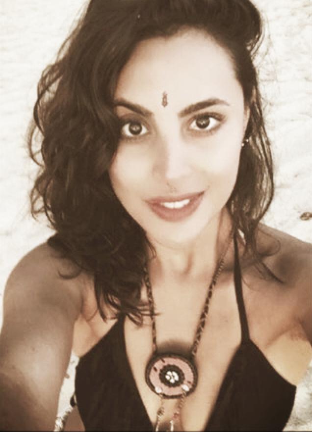 PAULINA AHMED - Comencé la práctica de yoga a los 16 años hace 13 años, inicié con yoga kundalini durante varios años hasta que conocí el hatha yoga práctica que exploré a profundidad y me ayudó mucho a entender más a fondo el trabajo con el cuerpo.Mi mayor pasión siempre ha sido el conocimiento profundo del ser humano y por ende de mi misma ,camino que me ha llevado por diversas disciplinas y técnicas que me han sido sumamente útiles, por lo que tomé la decisión de dedicarme a compartir estas enseñanzas.Estudié la carrera de actuación y a la par medicina alternativa , masaje holístico y yoga.Viví un largo periodo en el ashram de Sivanda en Canadá en donde conocí y experimenté el estilo de vida yóguico.Cuento con 4 certificaciones internacionales: Kundalini Yoga 200hrs, Kundalini Yoga nivel2 200hrs, Yoga Sivananda 200hrs, Inversiones y Ajustes avanzados 500hrs.Licenciatura en Artes Escénicas, Diplomado en Masaje Holístico, Diplomado en Reiki, Diplomado en Sanación Pránica, Diplomado en Plantas Medicinales, Diplomado en Acupuntura.Guía de ceremonias prenatales dirige Blessingway México Trabajo con embarazadas, mamá y bebé, niños, adultos, tercera edad - Niveles principiantes, intermedios y avanzados.