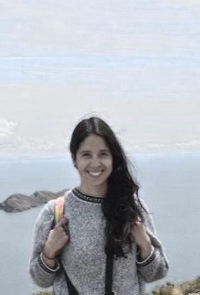 Karla Herrera - He sido instructora de pilates desde hace once años. Comencé mi práctica de contrologia en los seminarios impartidos por el taller coreográfico de la UNAM a los 16 años y fue ahí que comenzó mi interés en este acondicionamiento físico. Más tarde al finalizar mis estudios universitarios decidí tomar la certificación por Pilates Center of Las Vegas con Elena Bartley. Certificación que te prepara tanto en piso como en todos los aparatos y fue así que inició mi camino impartiendo clases. Enseñar pilates es maravilloso, el trabajo con el cuerpo y el movimiento da grandes satisfacciones tanto a los practicantes como a quien guiamos ese trabajo. Está disciplina es muy noble y se adapta a cualquier cuerpo, lesión o estado corporal. Mis clases son dinámicas, variadas y siempre te motivan a ir un poquito más lejos. Pilates te ayuda a aprender a escuchar a tu cuerpo, dejar que la energía fluya para trascender a través de la conciencia corporal.