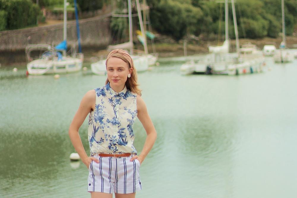 Femme plage marin bateau port preppy