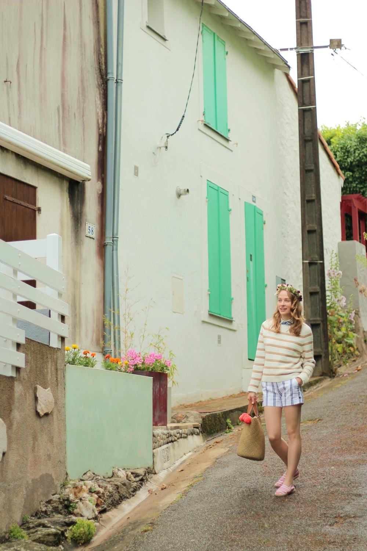 Ma jolie couronne de fleurs fabriquée sur la  plage de Noirmoutier : une nuit au frigo et elle était encore parfaite!