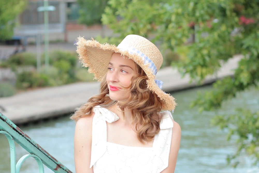 Robe blanche broderies anglaises blog mode parisien