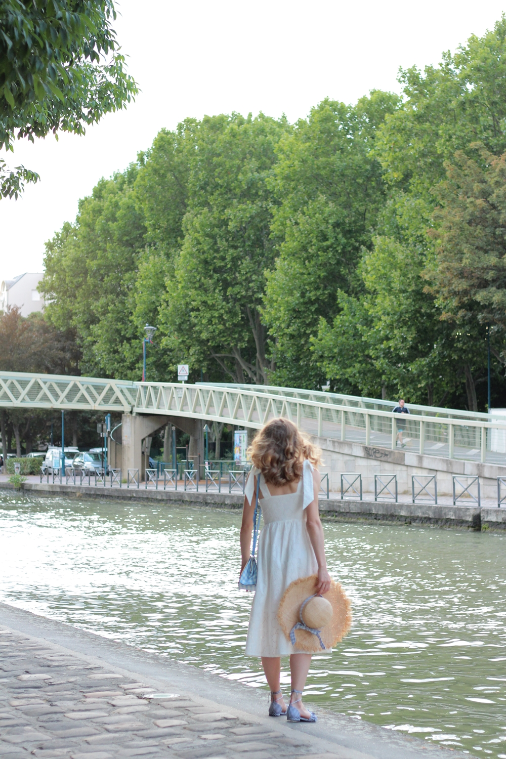 Robe blanche broderie anglaises blog mode parisien
