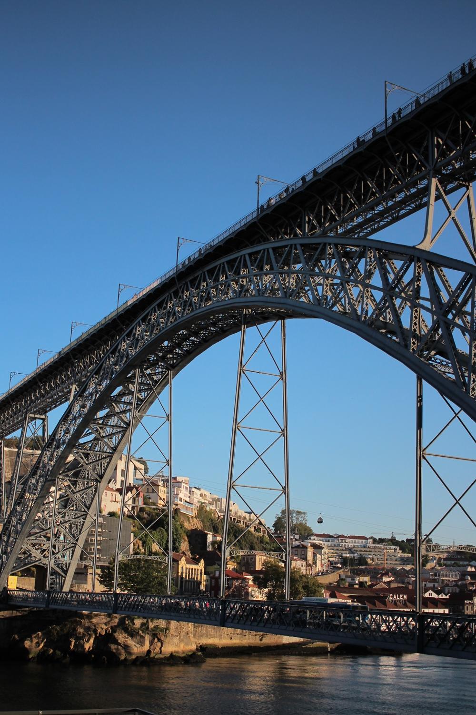Ponte Dom Luís I: on voit bien les personnes le traversant en haut et en bas!