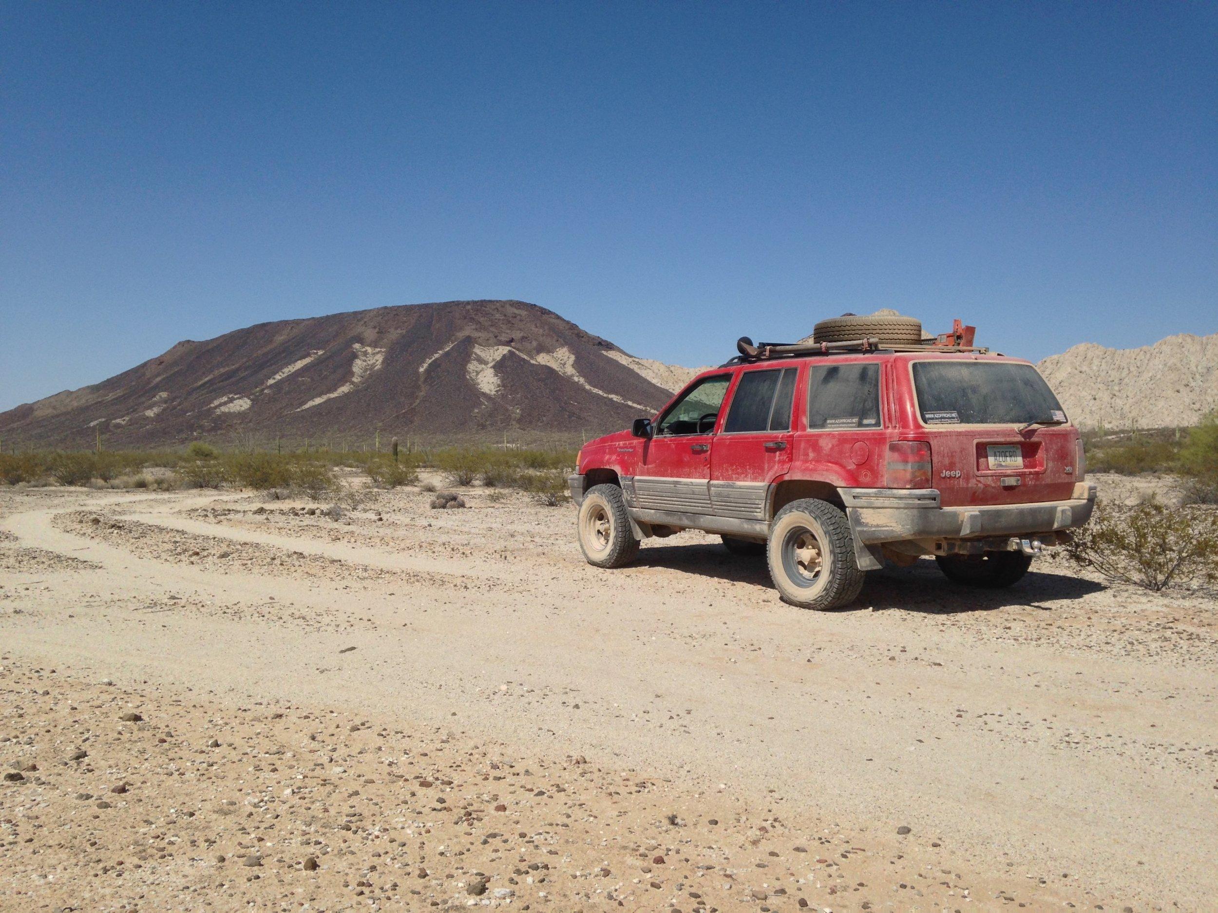 Looking north across El Camino at Tordillo Mountain.