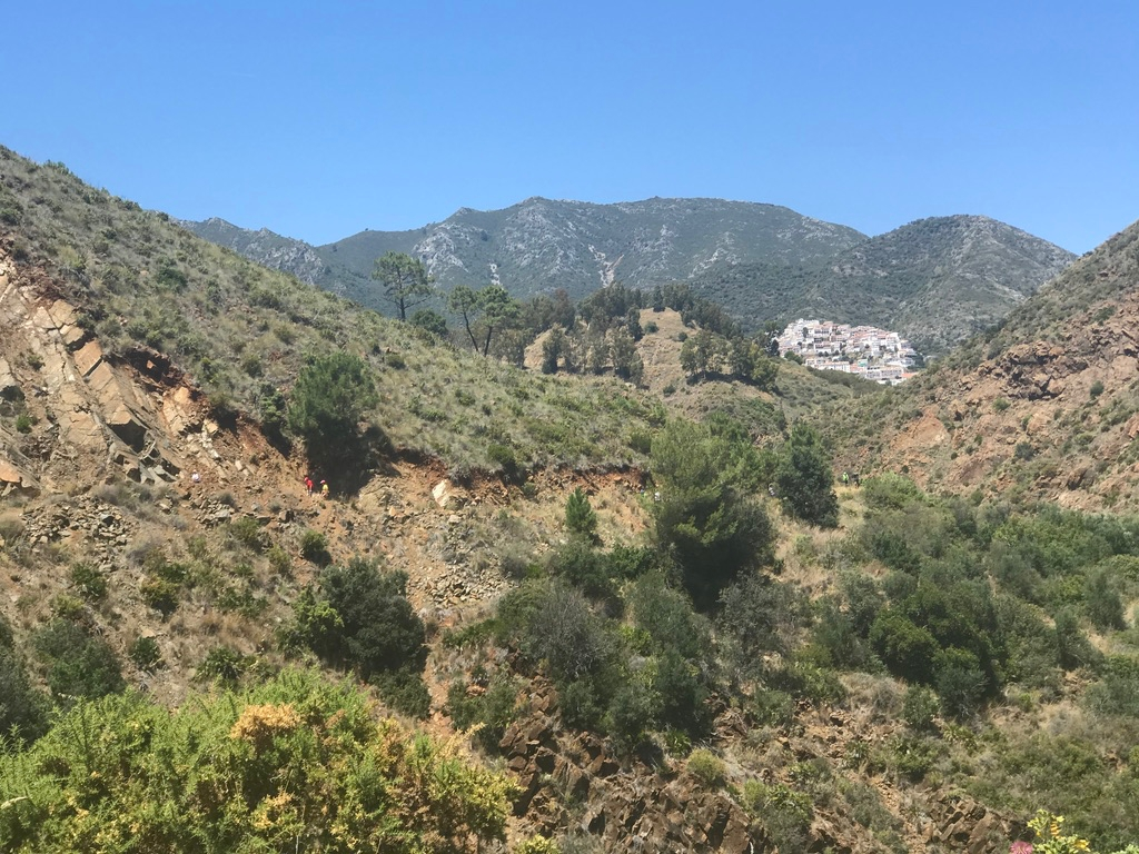 Mijas H3 - Hash Flash Red Hot Chili - 30th Ann. Run 1637 Old Farts - 18 May 2019 - Photo6.jpg