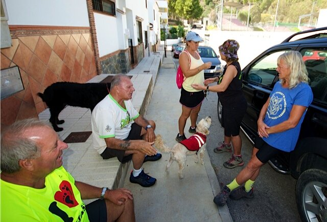 Mijas H3 - Hash Flash Seaman Staines - Run 1661 - 13 Oct 2019 - Photo  2.jpg