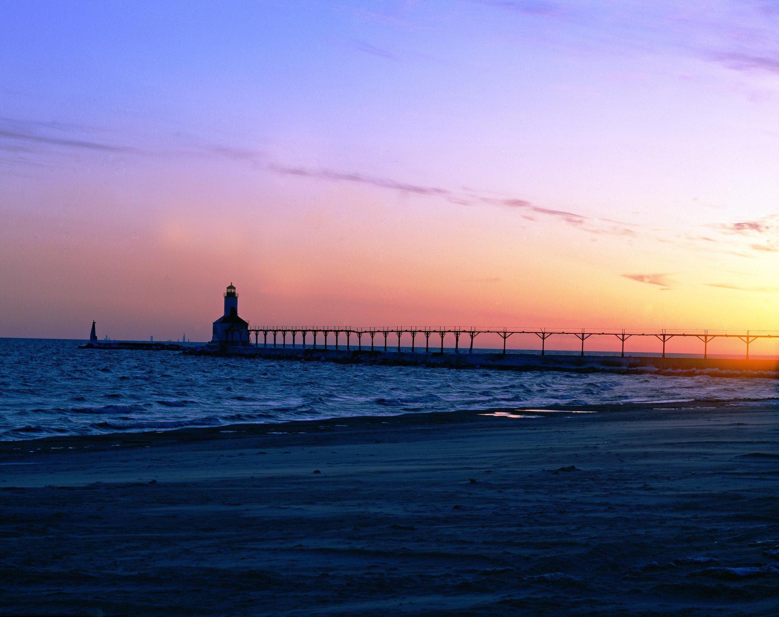 coast-dawn-dusk-210379.jpg