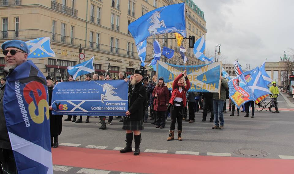Setting off from the Brandenburg Gate ( Image from Marco Görlach)