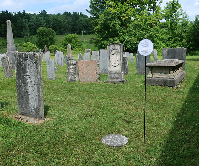 Cimetière Bishop Stewart Memorial Anglican Church (1808) Chemin Garagona, Frelighsburg.  Pour la flamboyante et intrépide Jane Freligh (1803 - 1863) reposant dans une tombe anonyme de ce cimetière.