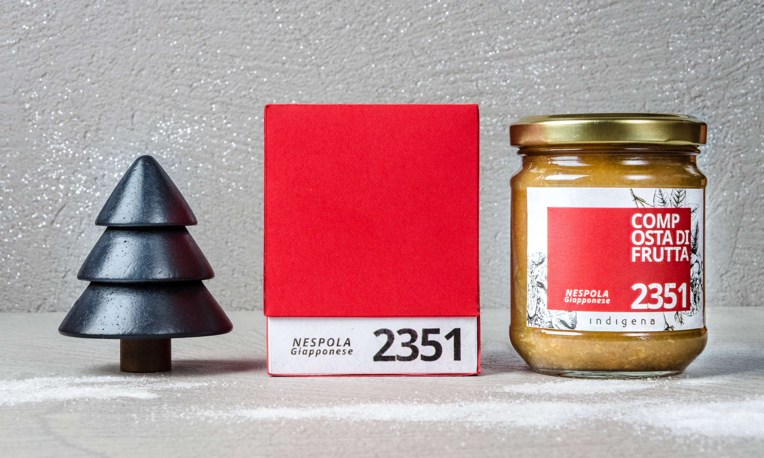 Indigena-packaging-christmas-biologico-bio-drawing-gold-red-3.jpg