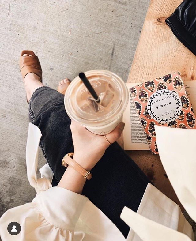 Getting the boost of caffeine I need to power through to the weekend 🥤😋⠀ ⠀ What's your fav summer pick-me-up drink? When I feel like treating myself, I ALWAYS reach for a Coke Zero. No coffee (iced or otherwise) for this girl!⠀ .⠀ .⠀ .⠀ photo: @mylittlebooktique⠀ .⠀ .⠀ #theeverygirldesk #girlbossing #womenwhocan #selfemployedlife #bossbabemovement #womenonamission #sheeo #hustleandheart #womeninbusinessrock #iambeingboss #betheceo #girlprenuer #creativebizowner #savybusinessowner #onlinebusinessmanager #womanceo #creativegalgang #howihustle #girlsinbusiness #womenonamissions #creativebabes #shesbuildingherempire #girlbossmagic #womeninbizness #fempreneur #dreamersanddoers #ceoofyou #lessworkmorelife #herglobal #thesocialsociety⠀