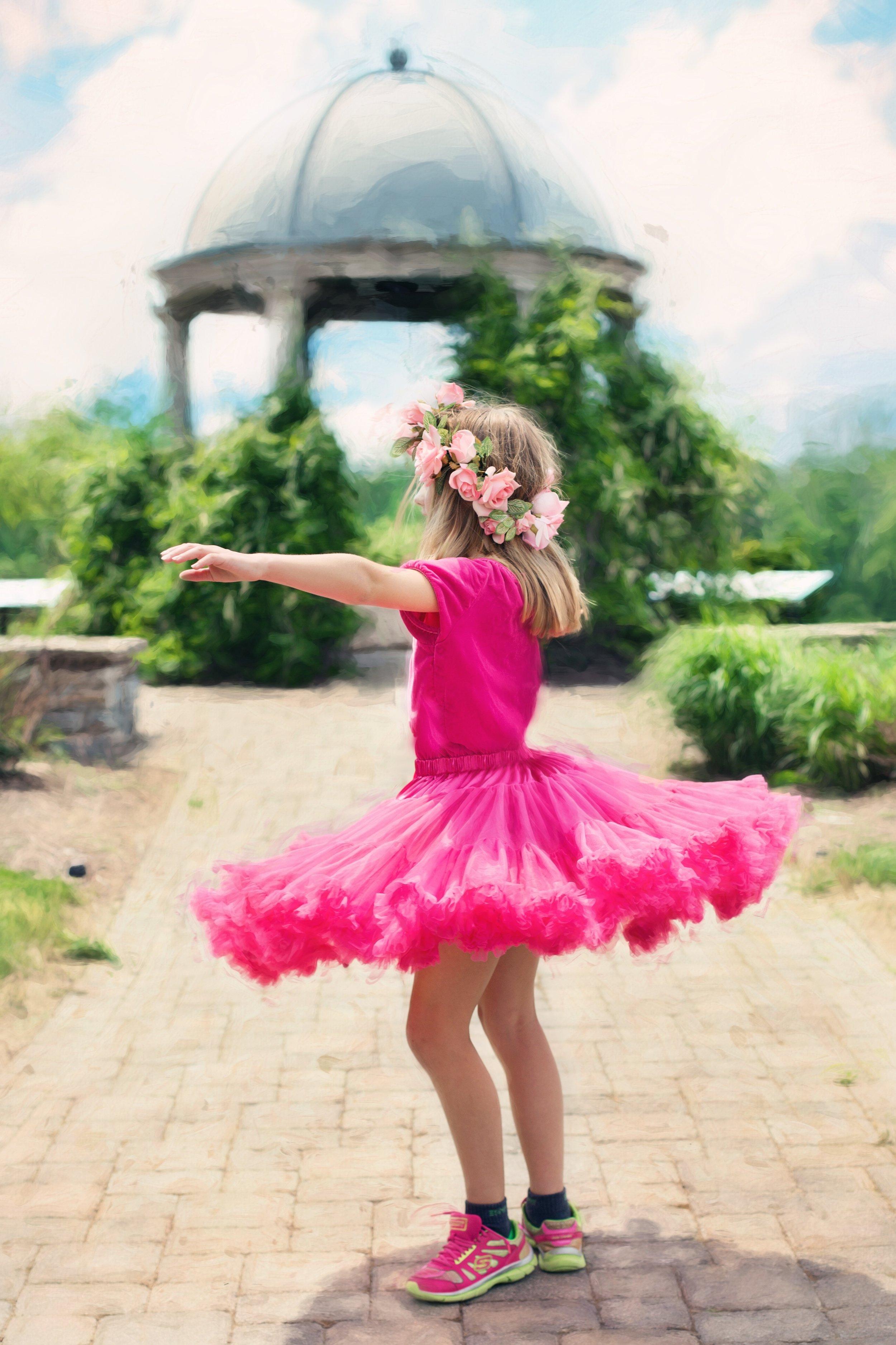 little-girl-twirling-773023.jpg