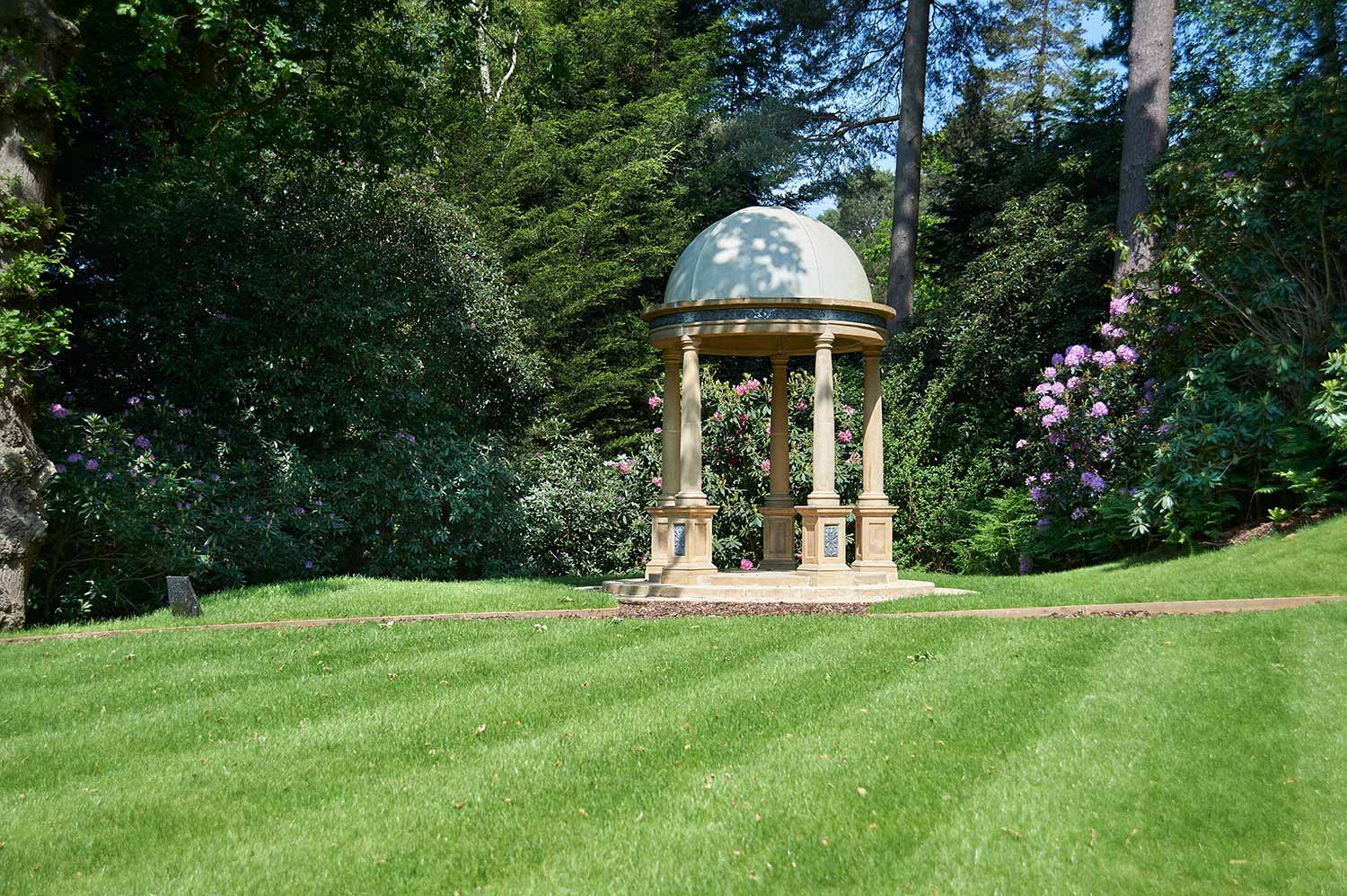 Cavendish Stone   Makers of life-sized stone garden ornaments   Products