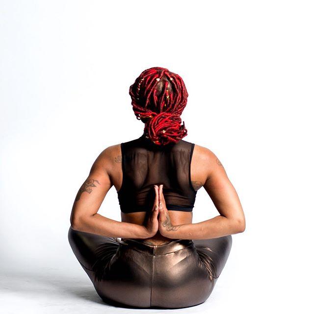Live in the moment 💫 #present Flow with me tonight 8pm @dsa_atlanta . . 📸: @bjthephotographer . . #flexible #flexibility #ladyyhonayoga #yoga #yogafit #yogagirl #yogapose #yogapractice #yogi #yogaeverydamnday #yogachallenge #yogainspiration #yogagirl #yogateacher #yogaphotography #yogalife #yogaeverywhere #yogaeveryday #goodmorning #ladyyhonayoga #yogalove #yogagram #yogadaily #yogaeveryday #photography #yogaphotography