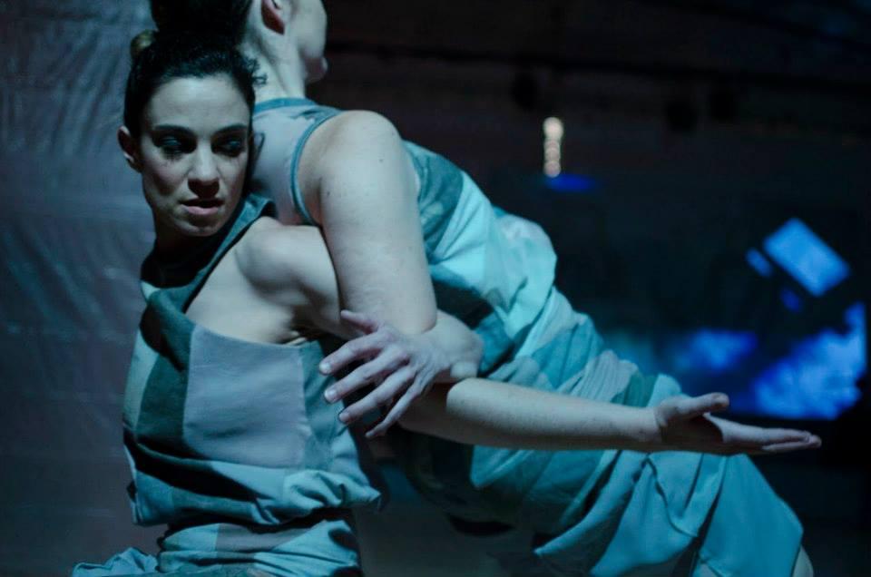 Chicago Tribune - dropshift dance