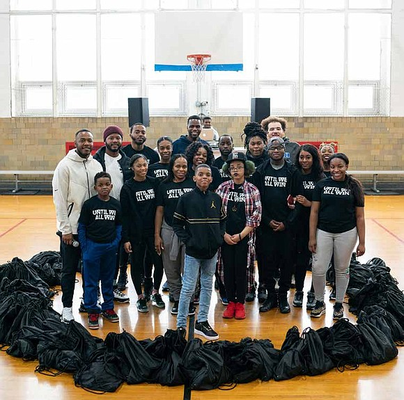 YOUNG CHICAGO ACTIVISTS TEAMS UP WITH NIKE FOR SPECIAL COMMUNITY SERVICE DAY