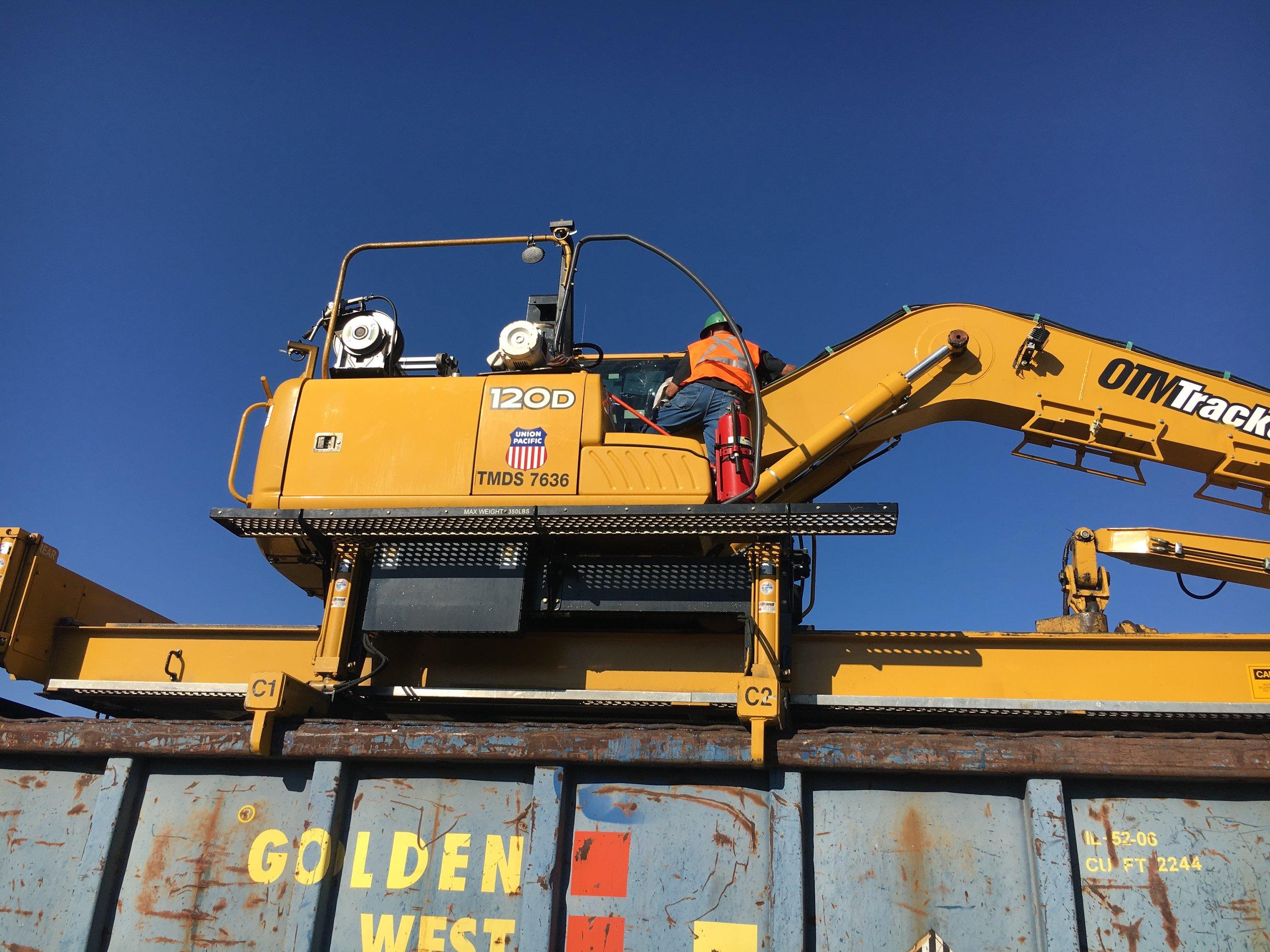 fleet tractor crane.JPG