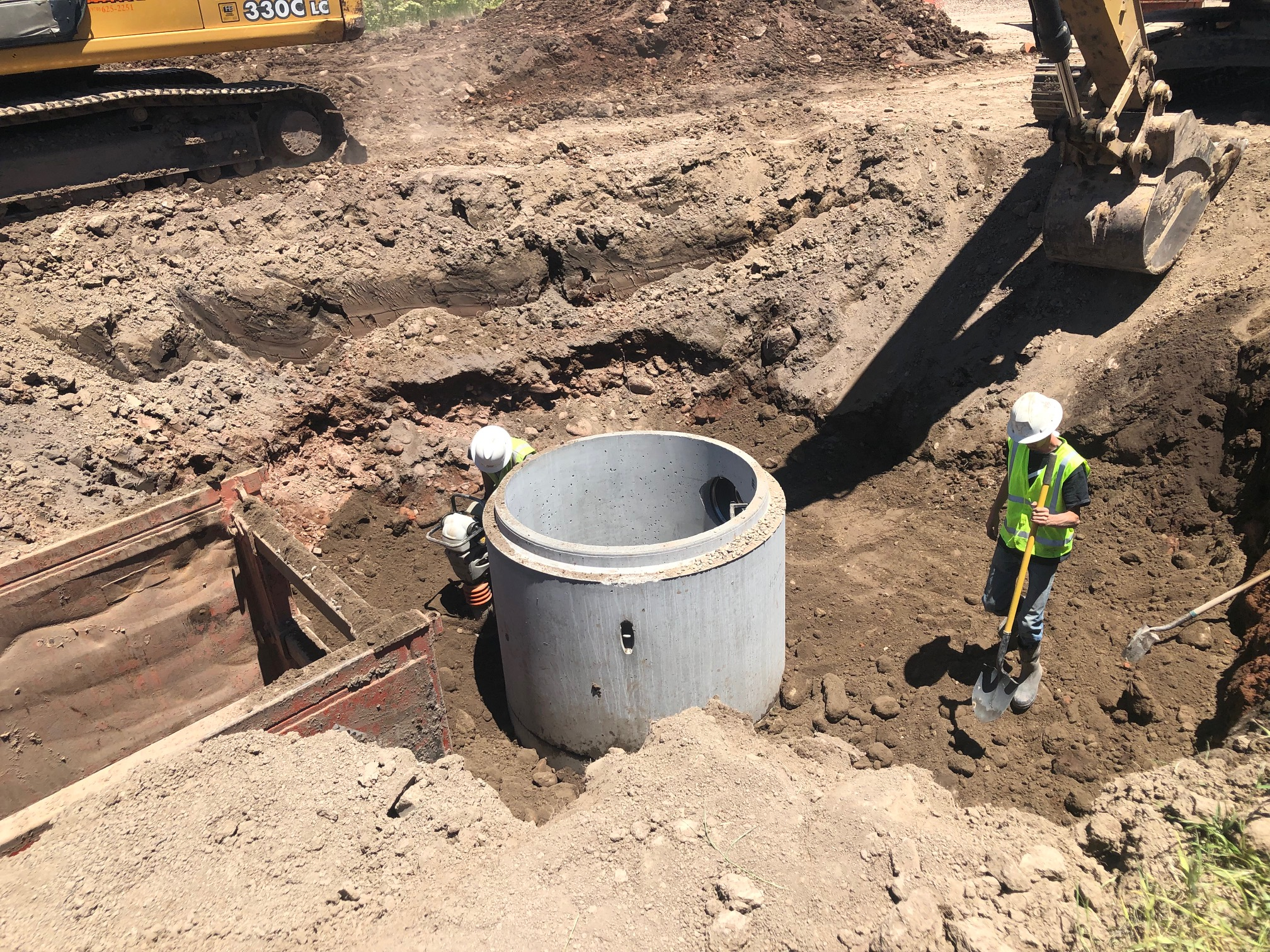 Storm sewer work is taking place along Sylvan Lake Road and at the Sylvan Lake Roundabout.