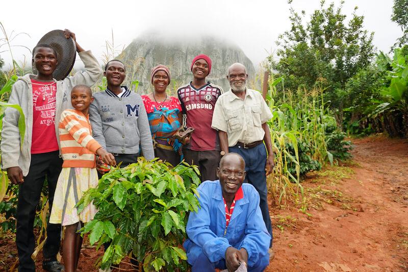 nicole-motteux-sustainable-coffee-advocate-zimbabwe-cnyakuchera-family.6jpg.jpg