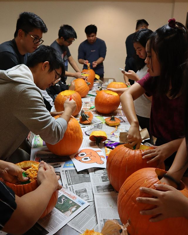#tbt to last week's pumpkin carving! wishing you all a safe night!  pc: @jrnggv . . . . . #LettuceXCPYF #LettuceLove #LettuceFellowship #CPCWilmington